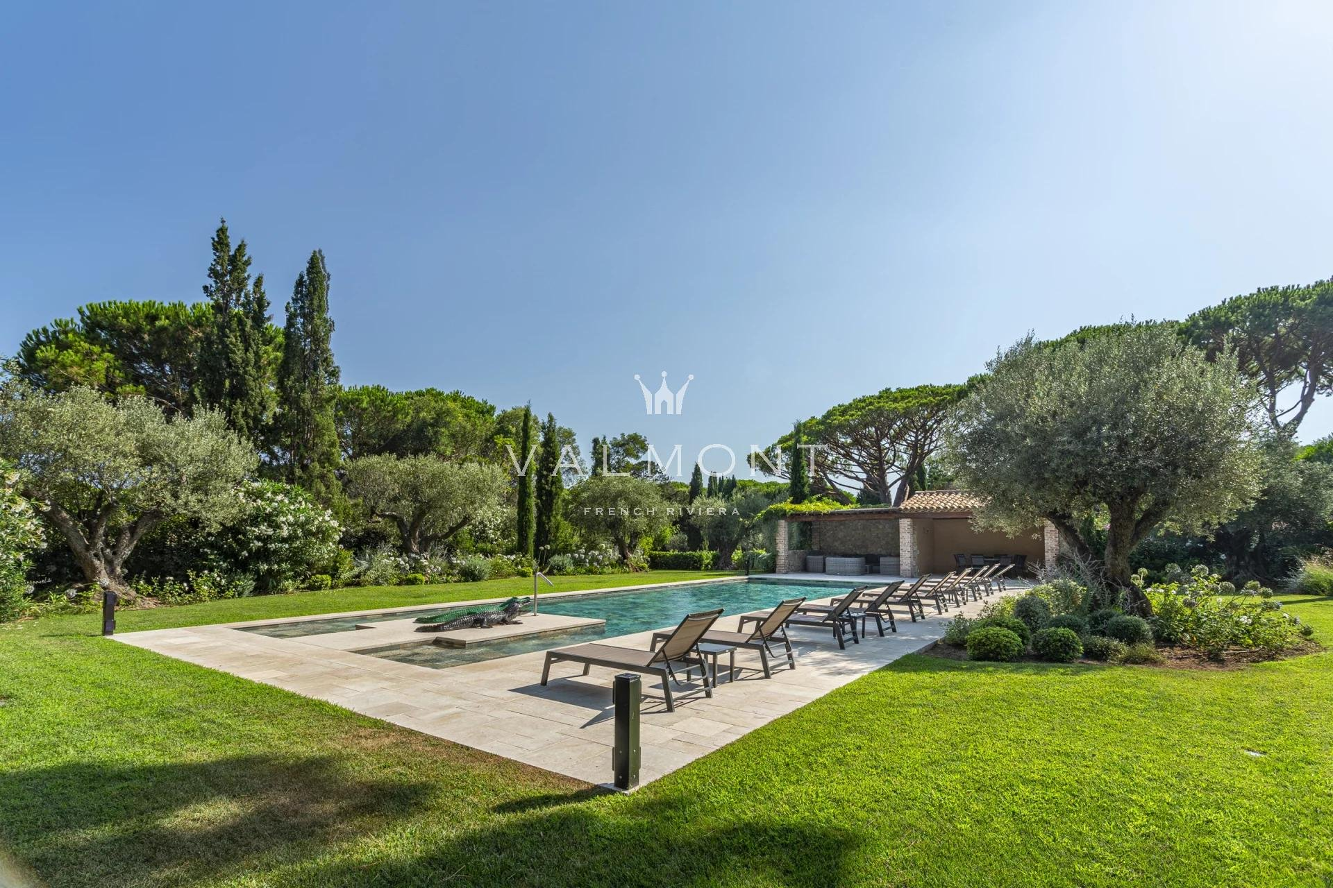 BEAUTIFUL VILLA STEPS AWAY FROM THE BEACHES OF PAMPELONNE