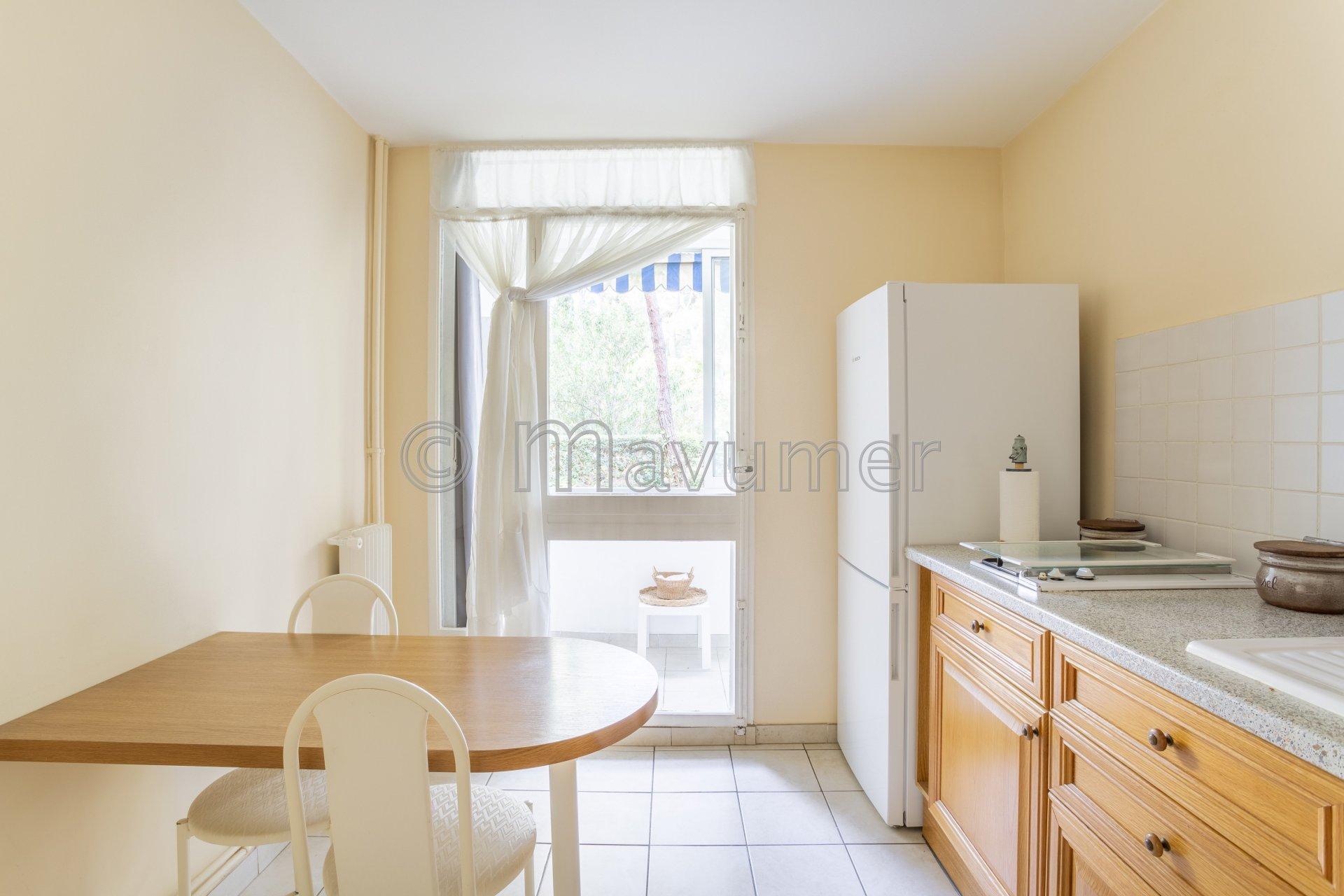 Appartement de type 3/4 - Marseille 13008 - Roy d'Espagne