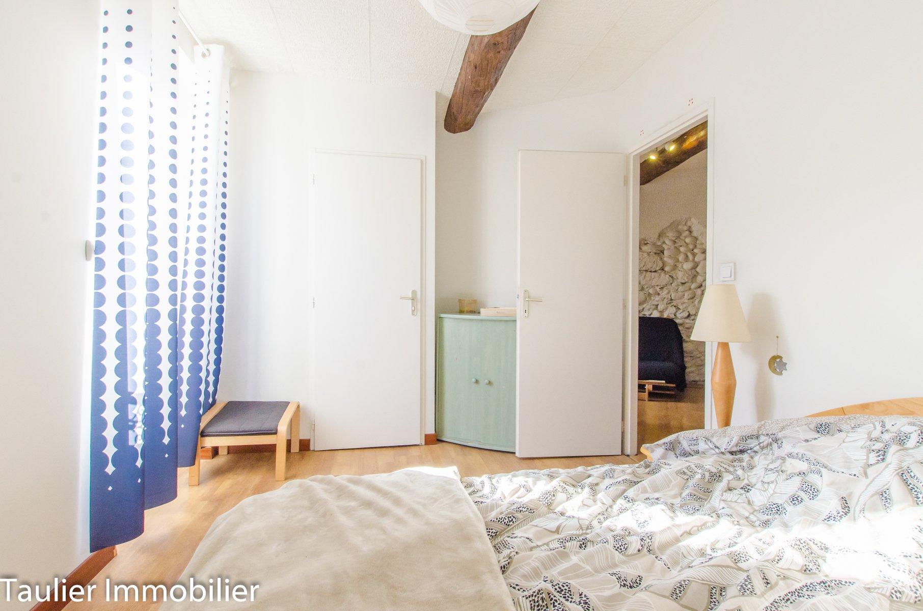 Appartement T4 triplex, très bon état