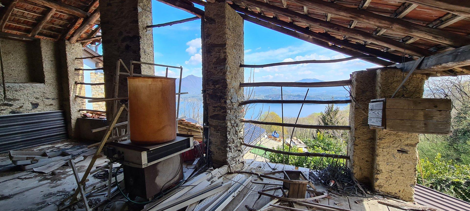 Rustikaler Stein zum Verkauf in Stresa