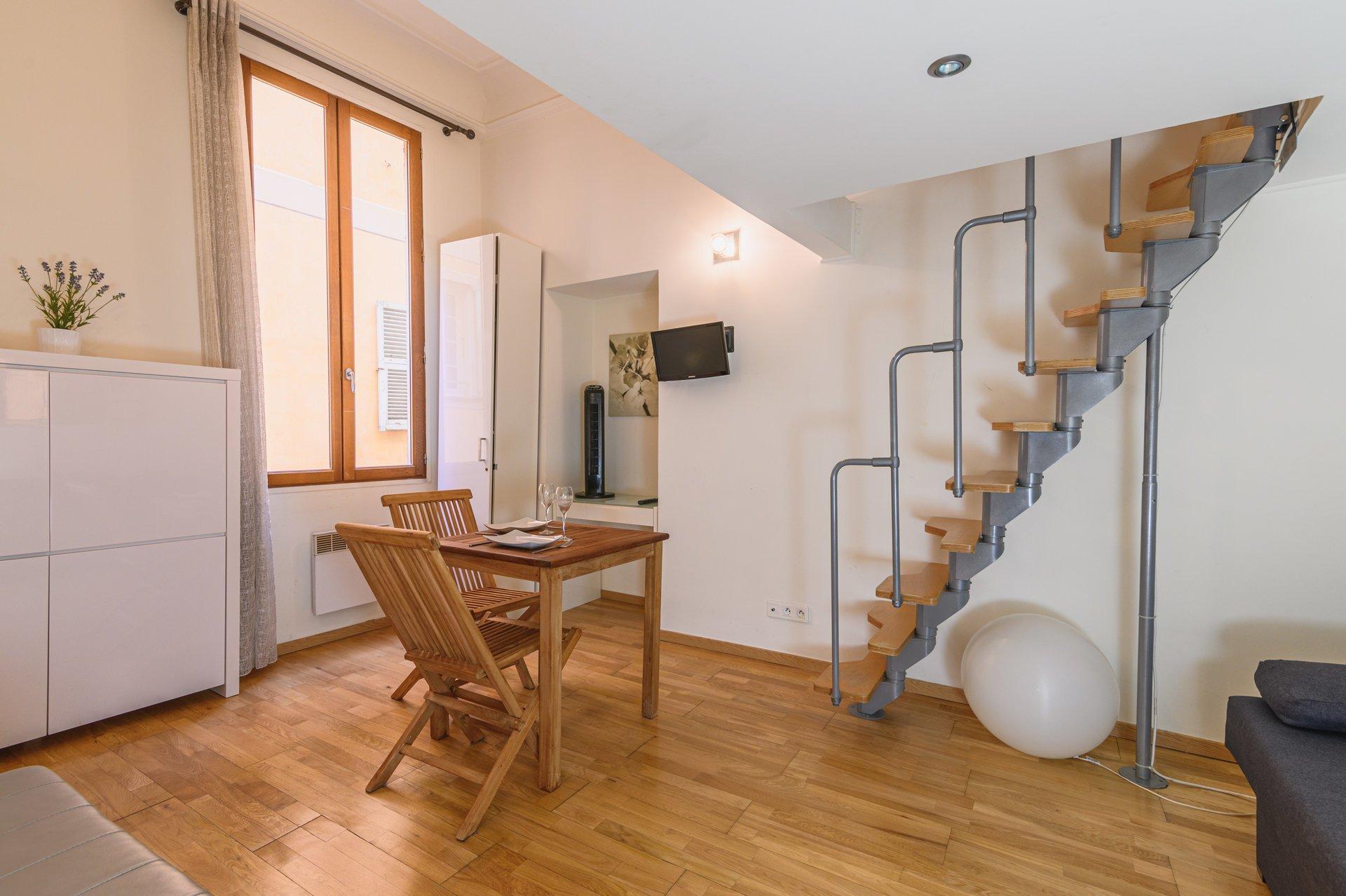 Vieux-Nice - Studio avec mezzanine