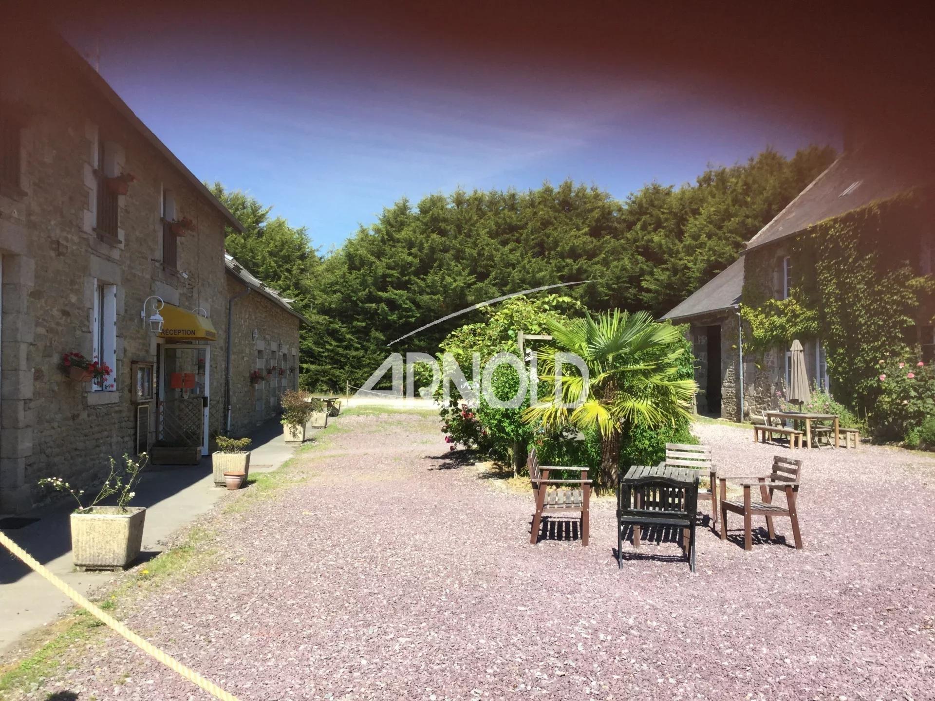 Longère typiquement bretonne proche de Dinan à 20 mn des plages.