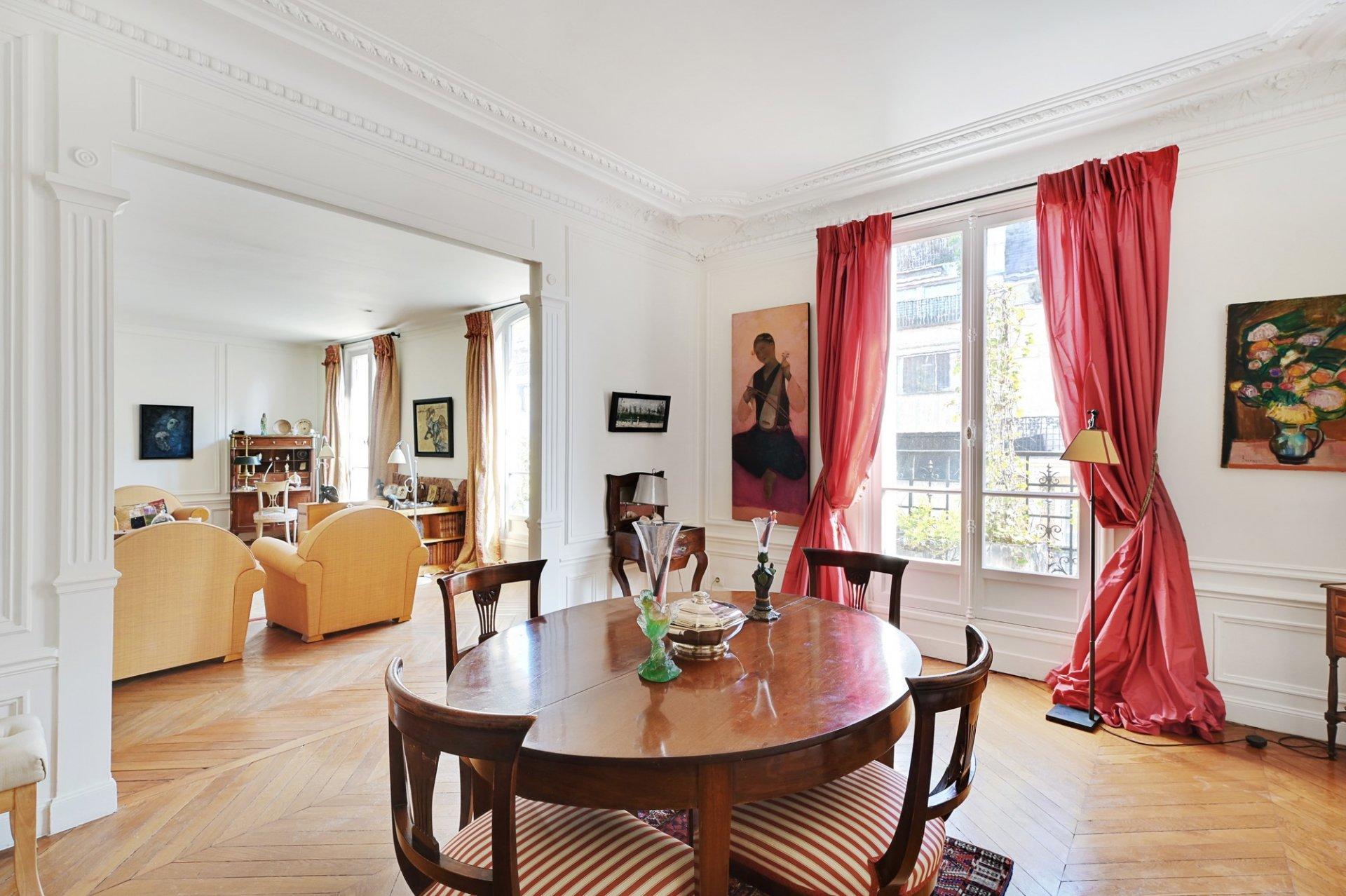 Duplex 6 pièces 118 m² 75116