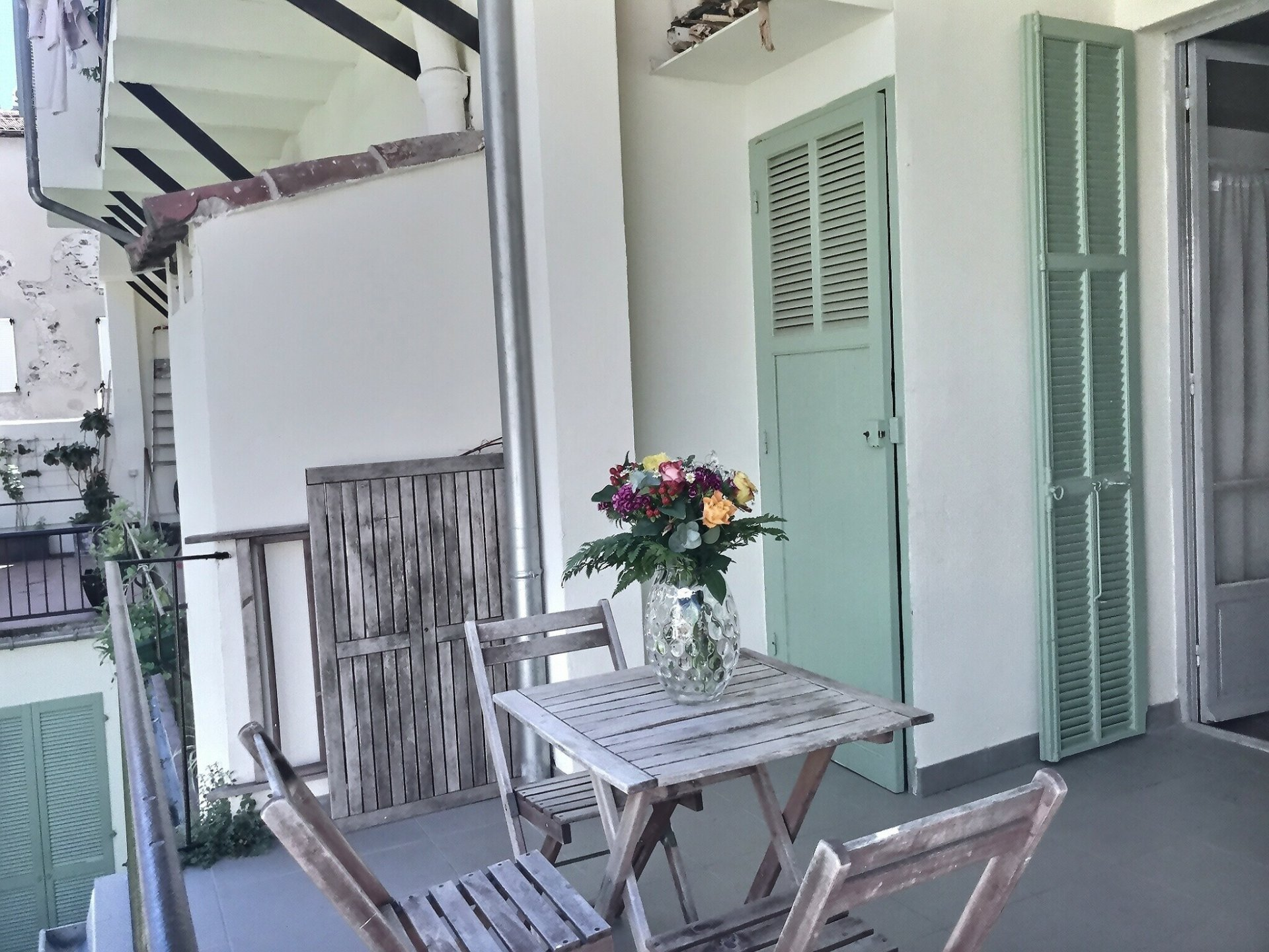 Old city, 2P 29 m², charming and quiet with terrace of 10.83 m²