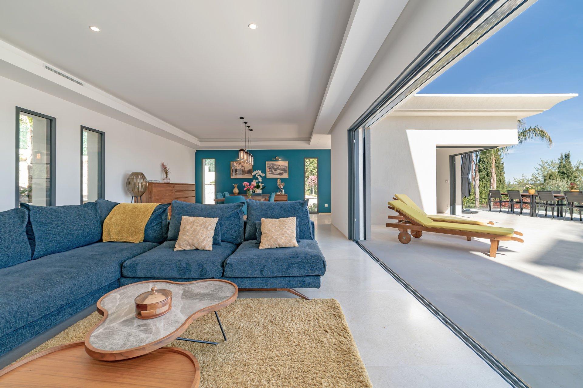 Exceptional New Contemporary Villa