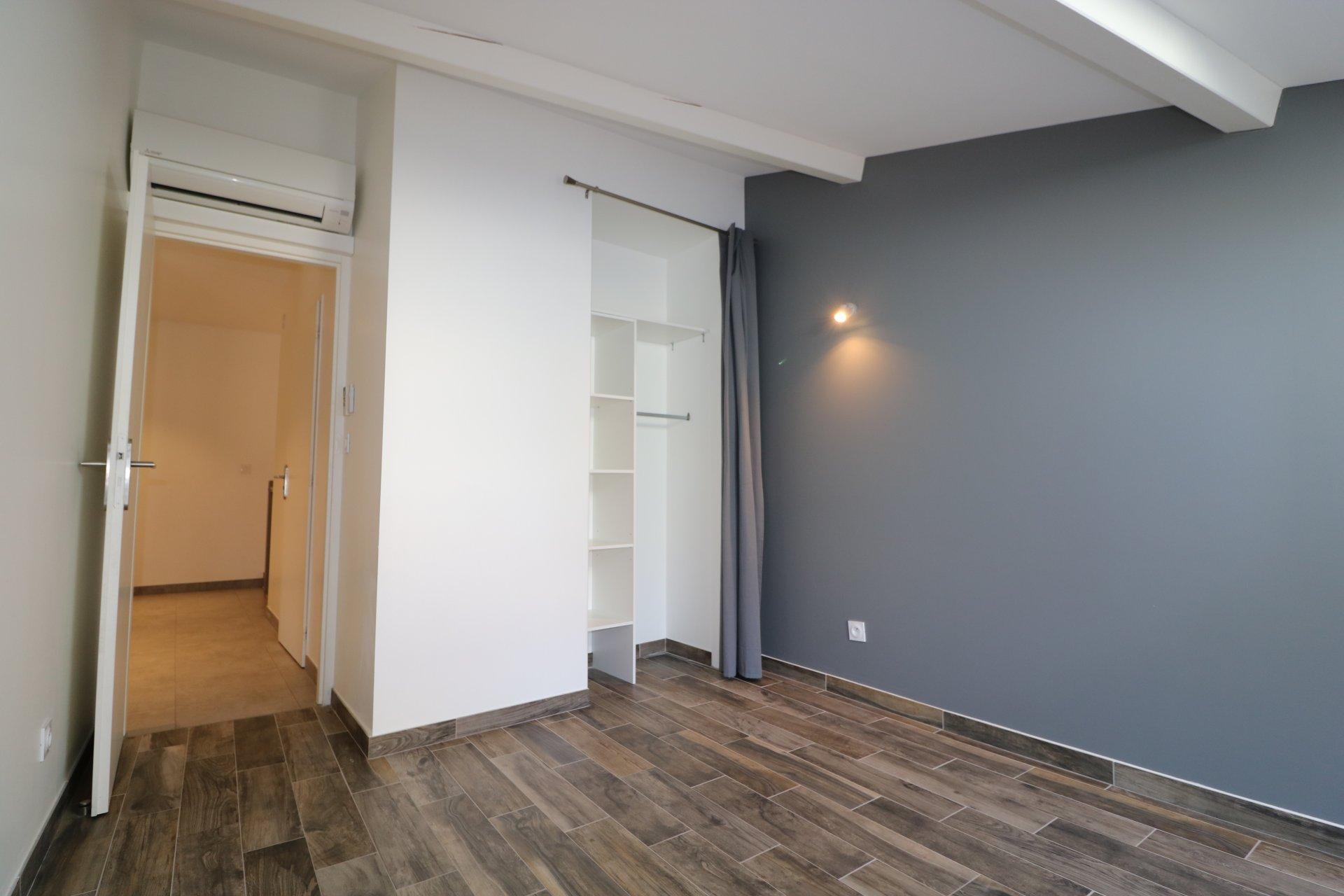 Appartement 98 m² état neuf à Soucieu-en-Jarrest