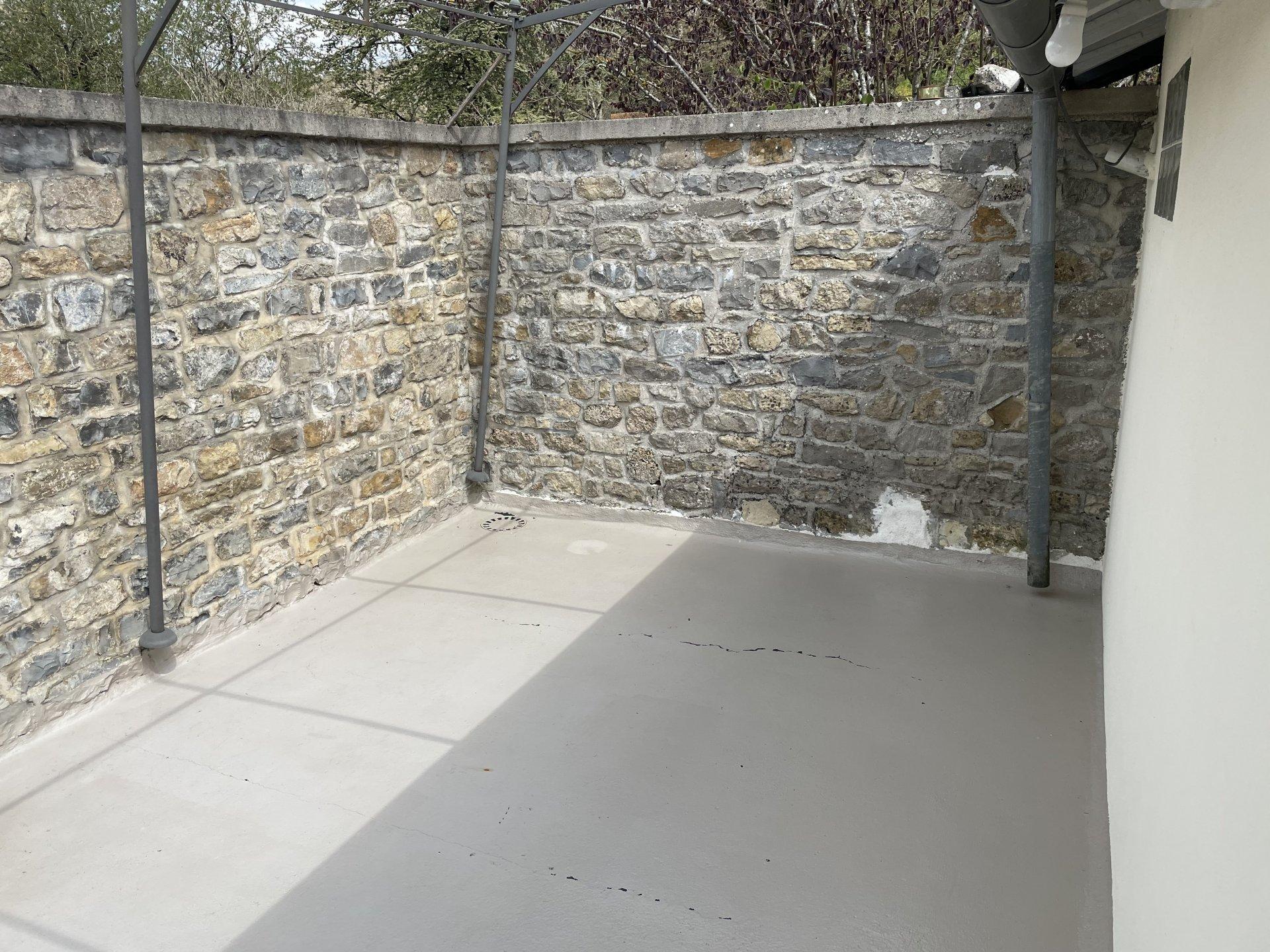 Maison en pierre type 5 avec caves et garage