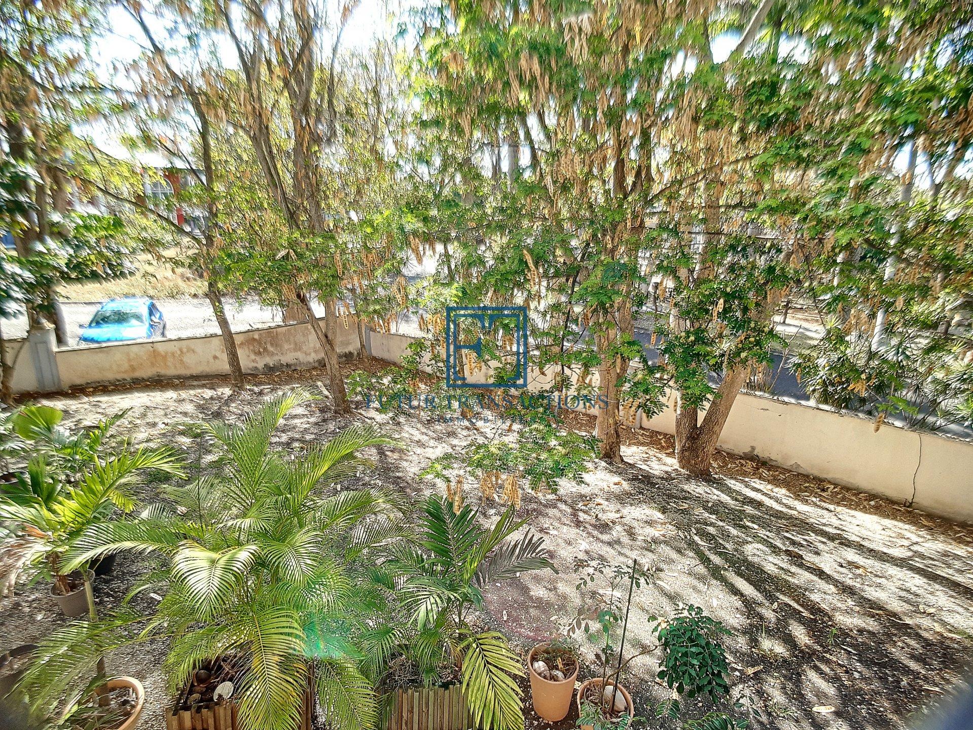 Bel appartement résidence de standing avec piscine