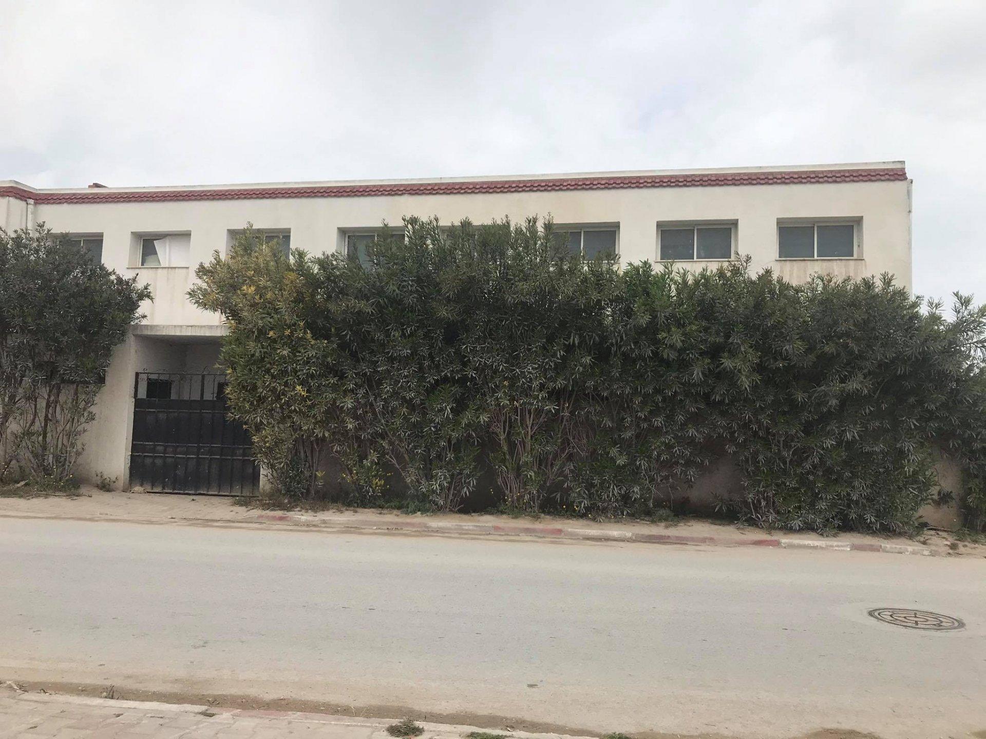 Location local industriel de 680 m² La Soukra