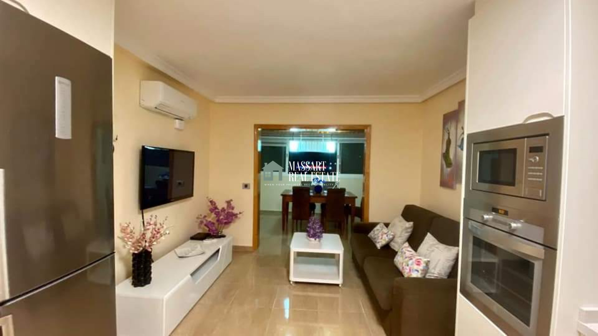 Recently renovated and fully furnished apartment, located in Los Cristianos, in the residential complex Cristian Playa.