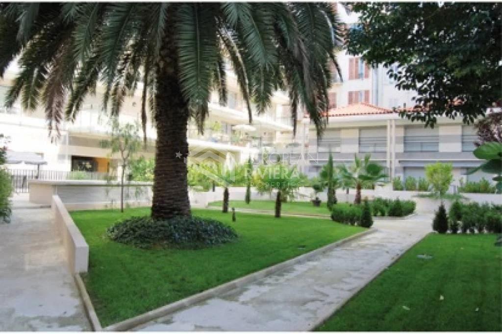 Центр НИЦЦА: Дом-квартира - 3 комнаты, сад