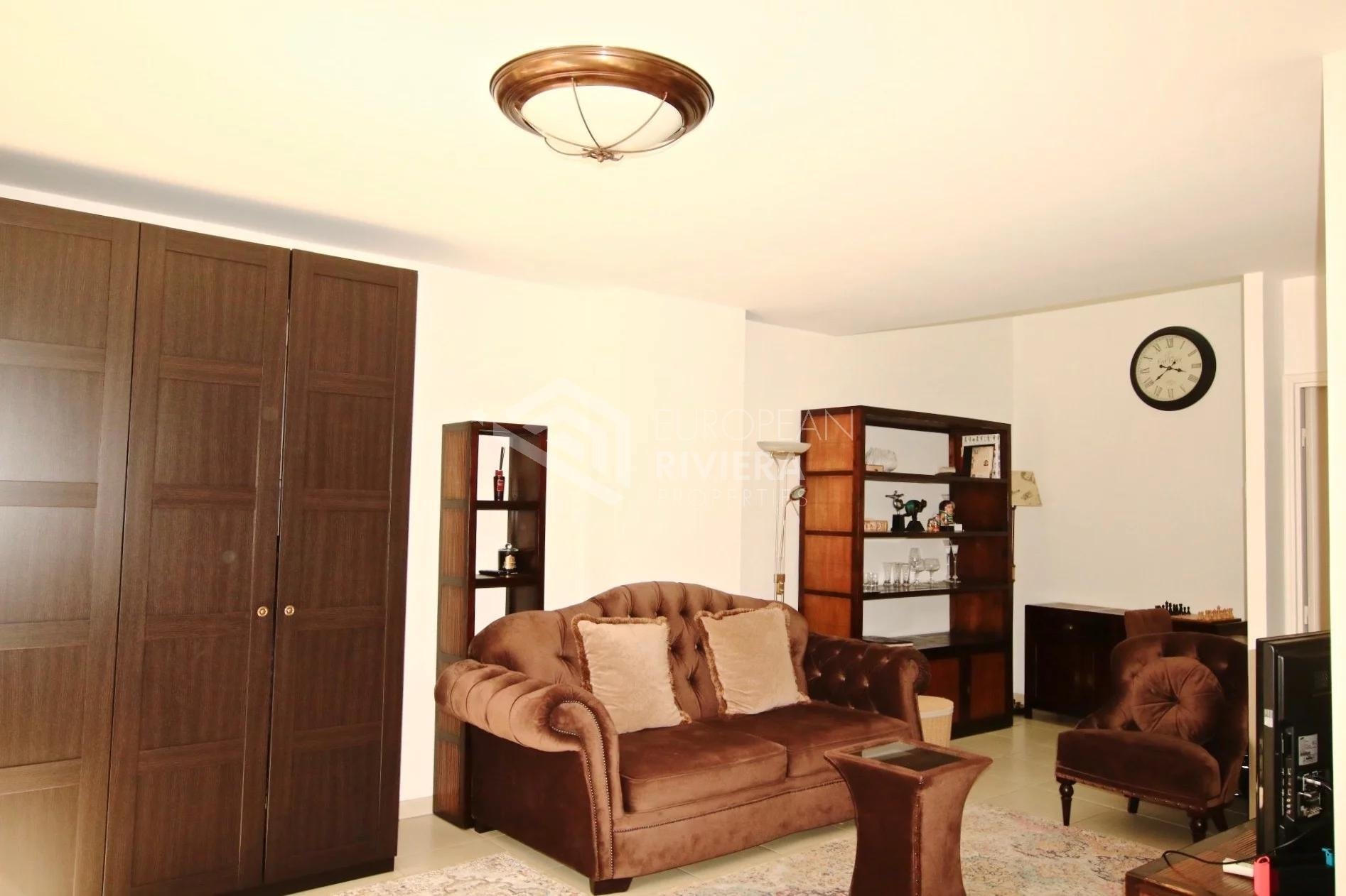 Heart of City center Nice, Pastorelli: independant duplex apartment