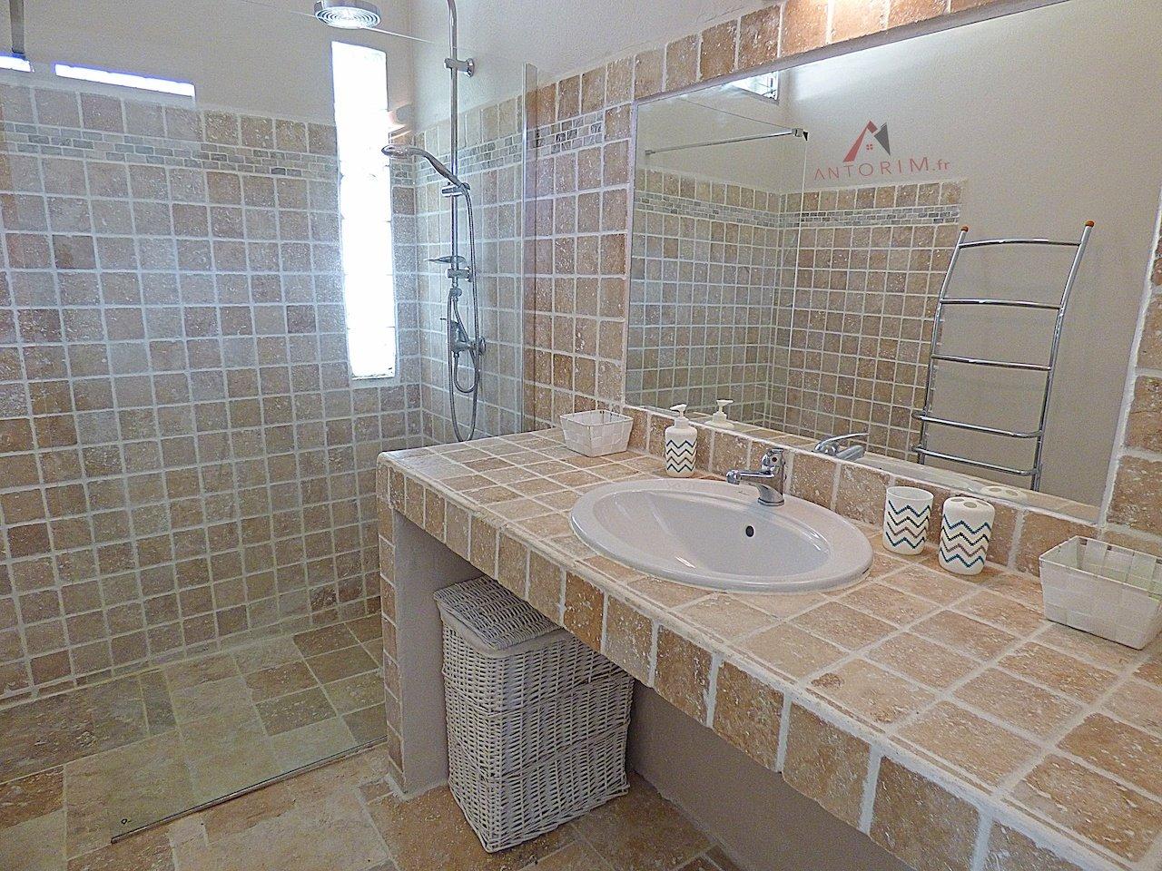 FORT-DE-FRANCE CLAIRIERE : très belle villa T2 entièrement rénovée