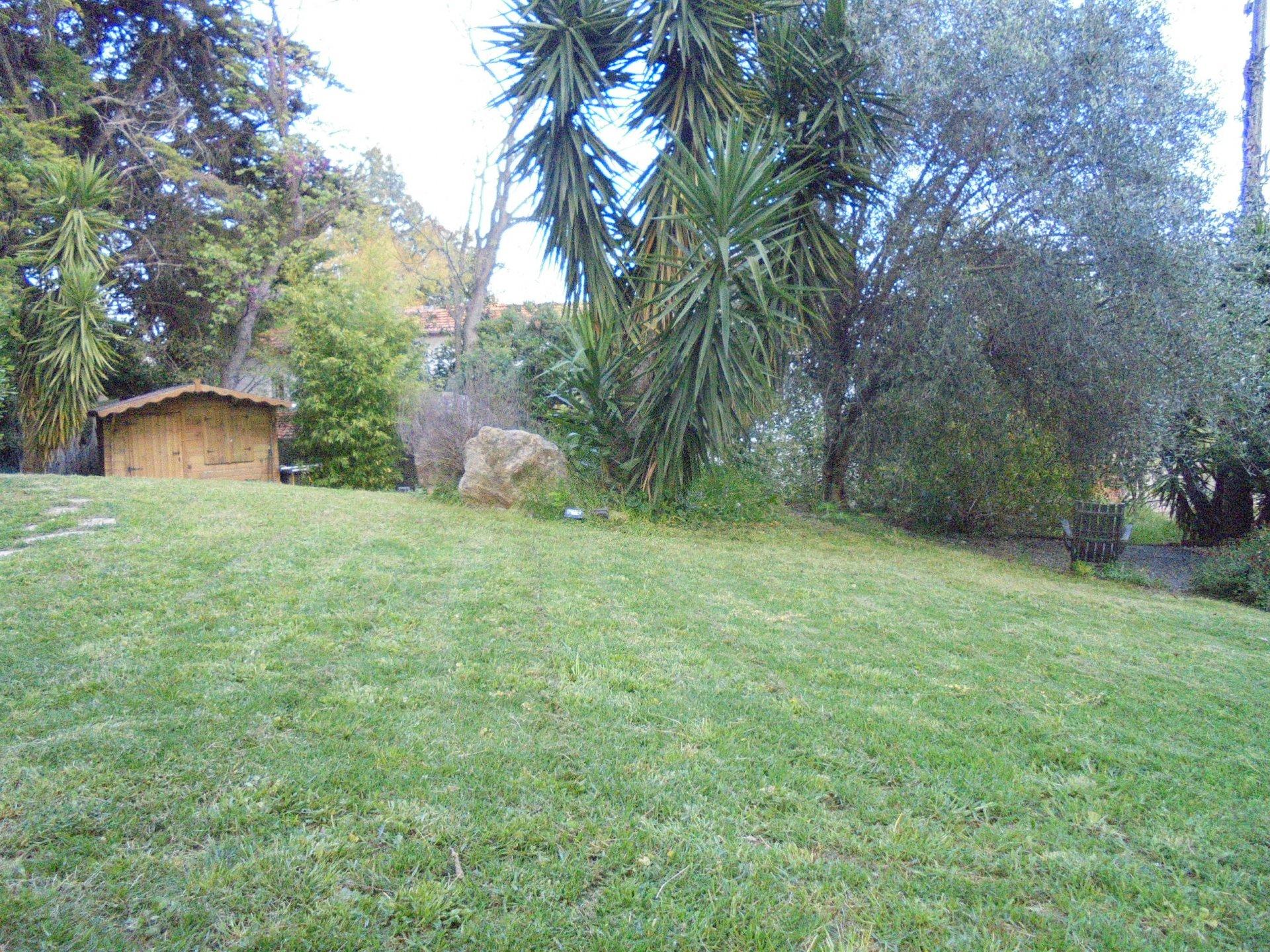 GRASSE SUD, En rez de jardin Appartement 2/3P, Parking