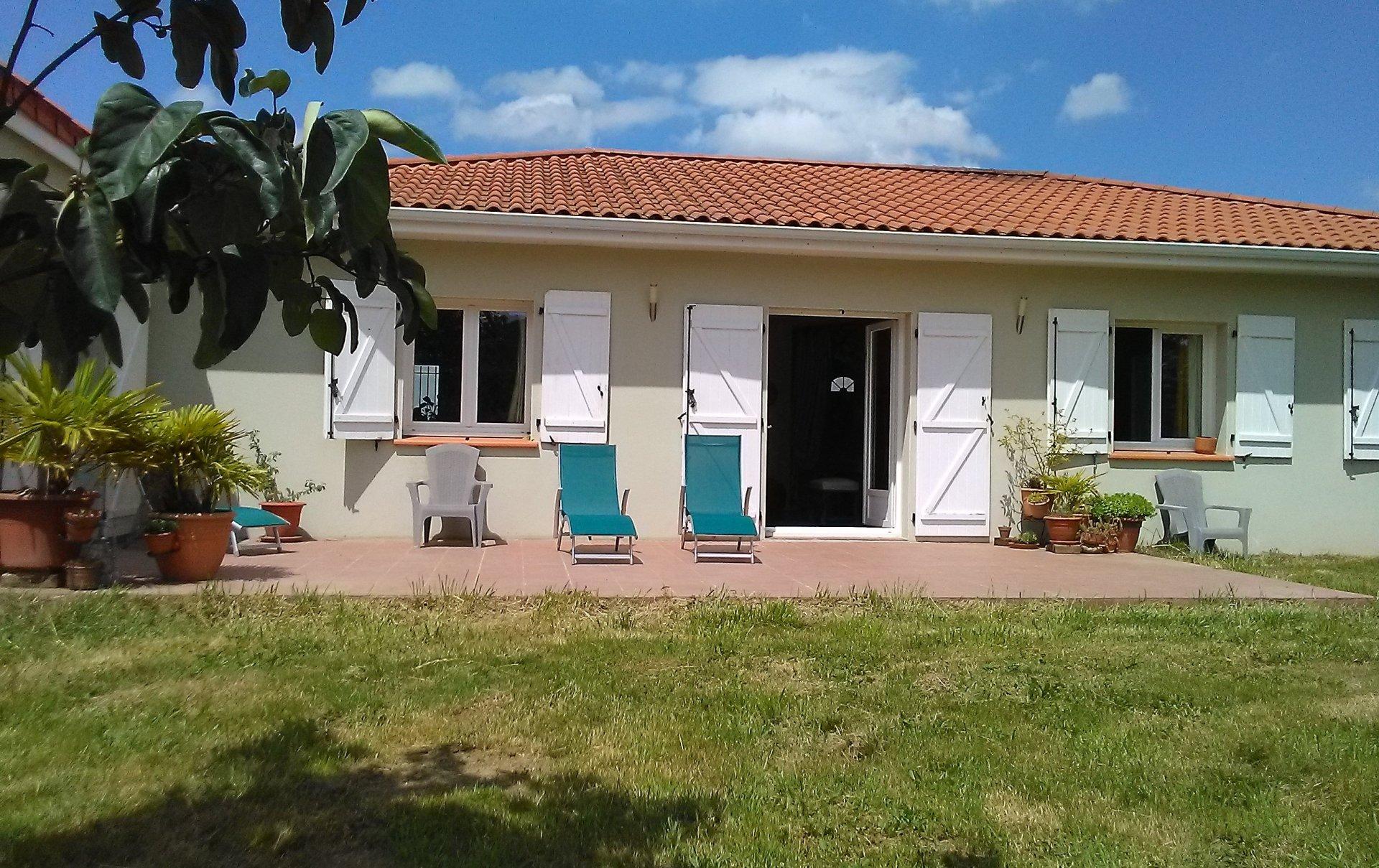 Sale Villa - Huos