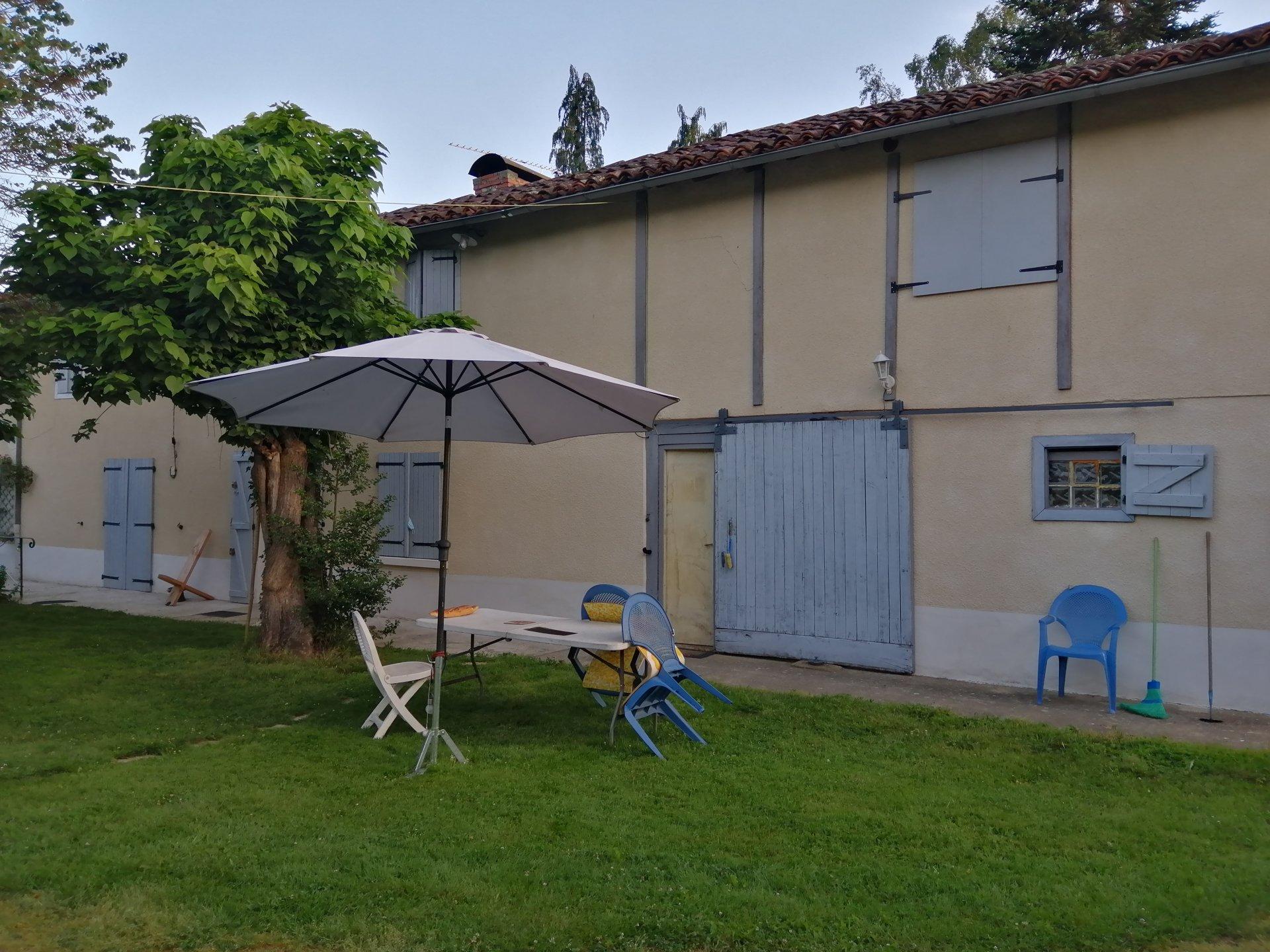 A 20 mn de Capvern, Maison avec dépendance sur 18694 m²
