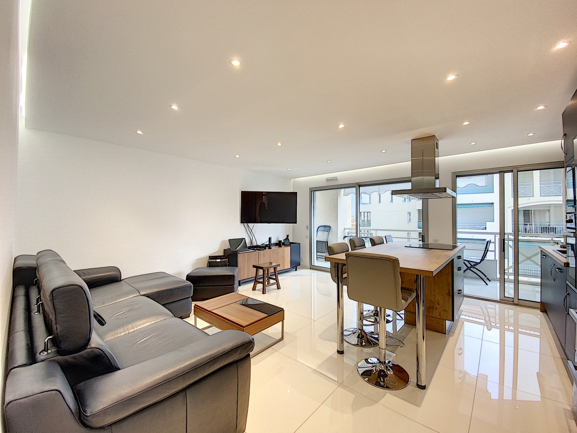 Nice modern apartment