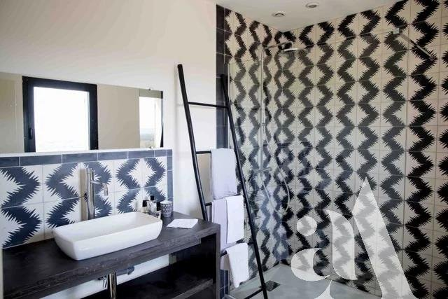 MAS BAMBOU - MERINDOL- PROVENCE- 5 chambres - 8 personnes