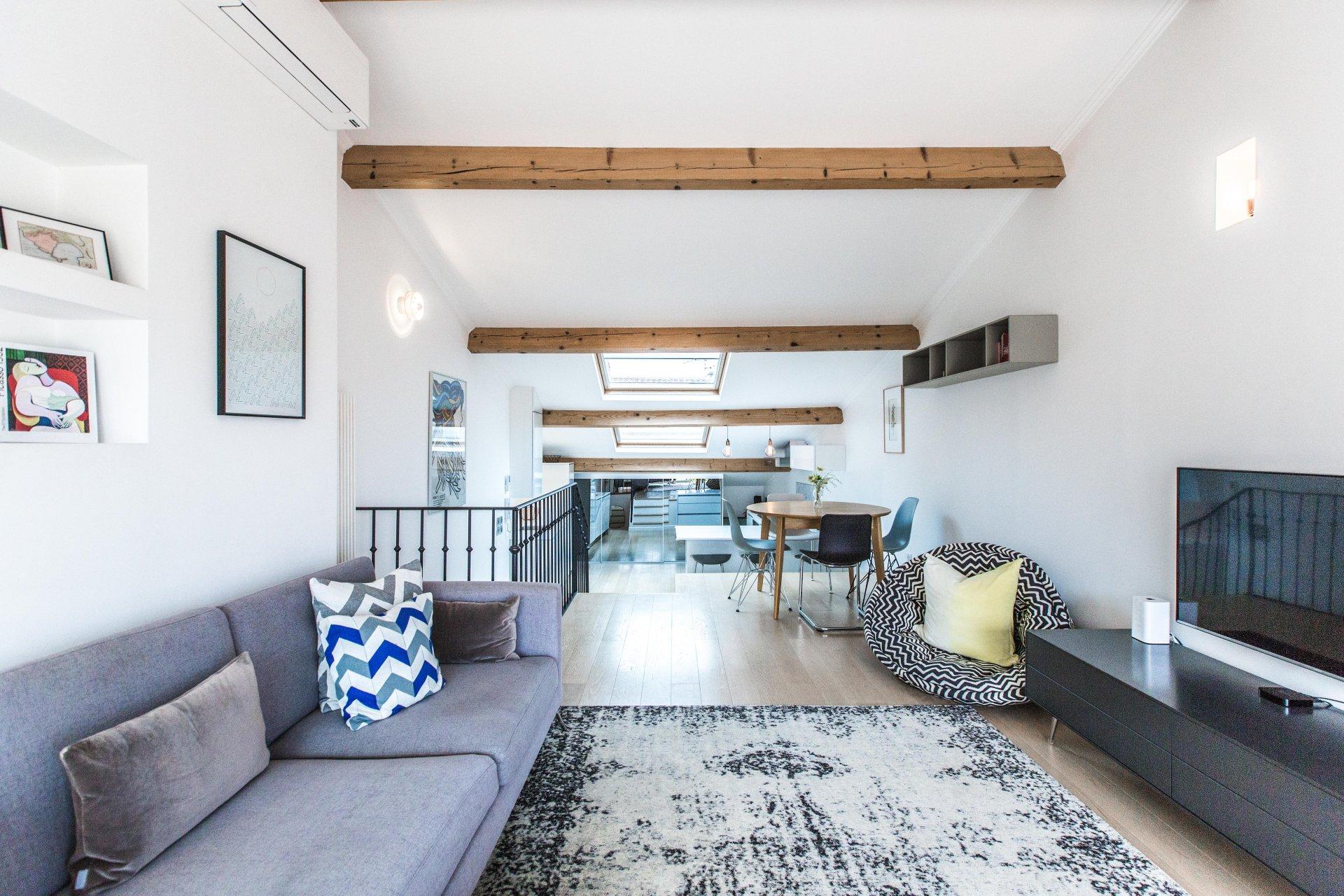 Old Antibes, last floor 3P duplex 79 m²