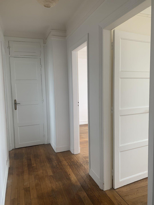 Paris - XVII ème - JARDIN ANDRÉ ULMANN - 2 Pièces - RUE JEAN-LOUIS FORAIN  - DERNIER ÉTAGE AVEC ASCENSEUR - TERRASSE - SOLEIL - VUE DÉGAGÉE CIEL ET TOITS - CACHET - CALME.