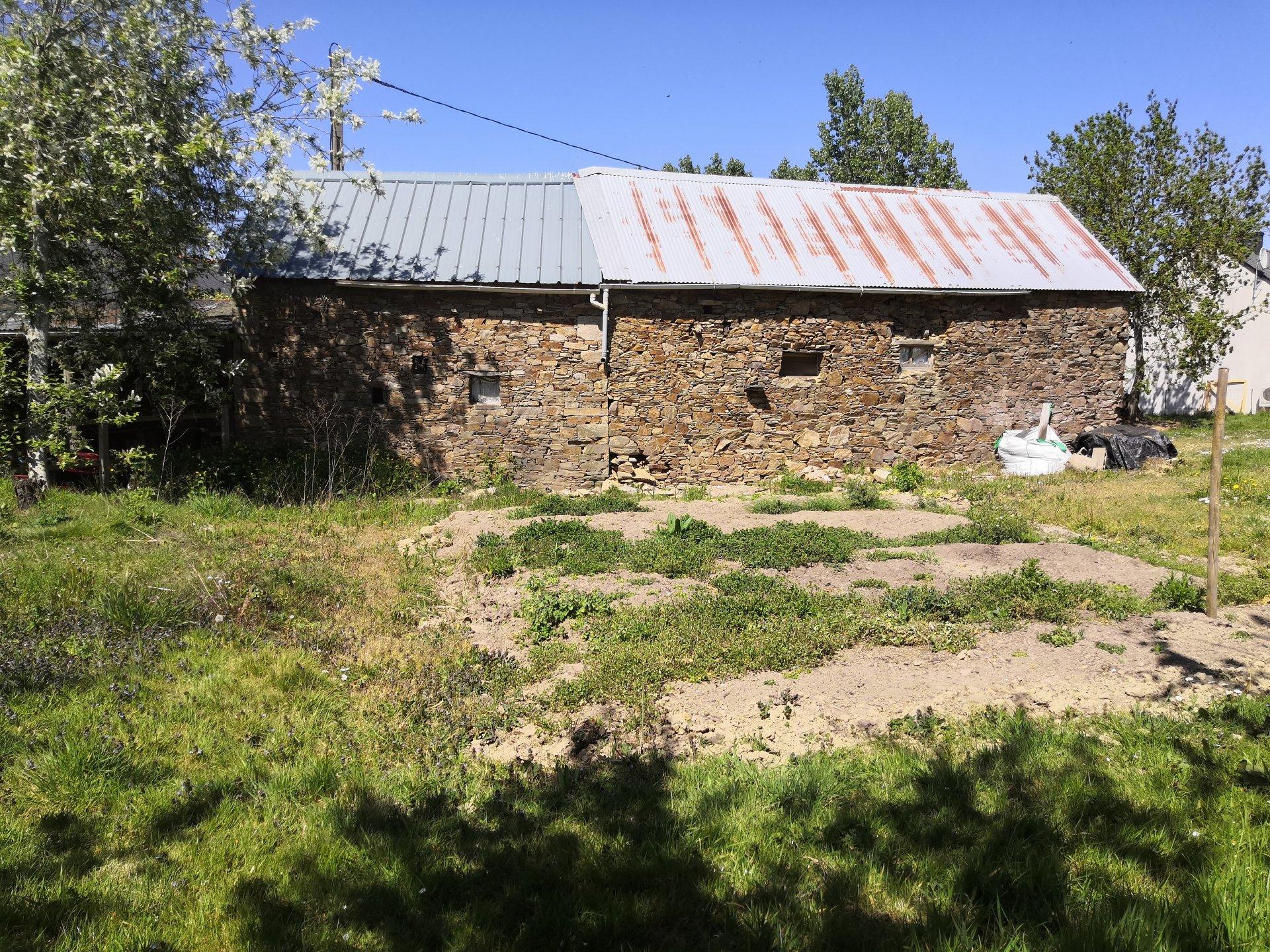 BOUVRON TERRAIN CONSTRUCTIBLE ET BATIS