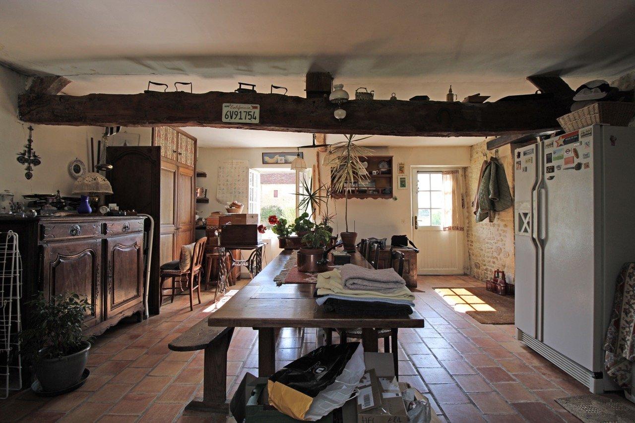 PAYS D'AUGE-CALVADOS-Région de Livarot une propriété avec 9ha32a61ca de terrain.