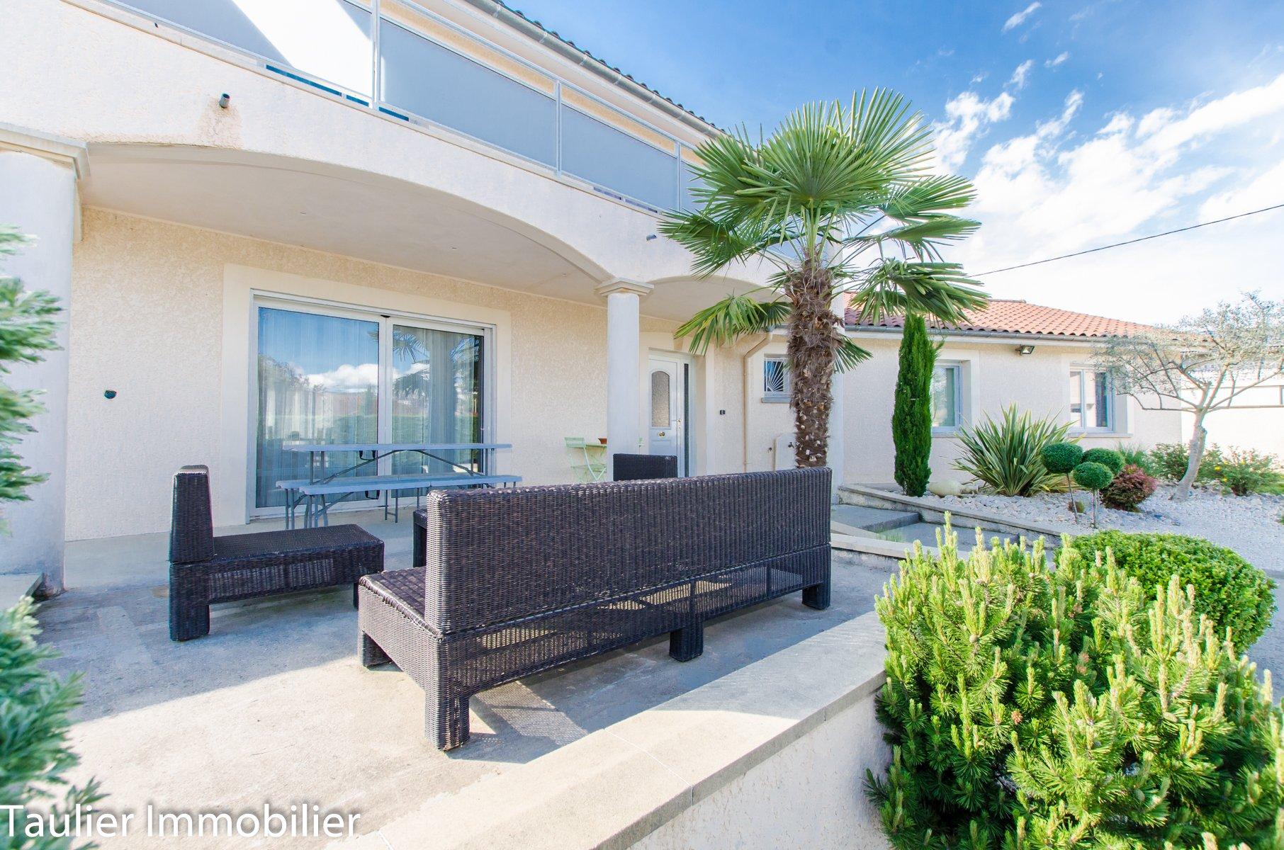 Magnifique villa avec piscine, 5 chambres
