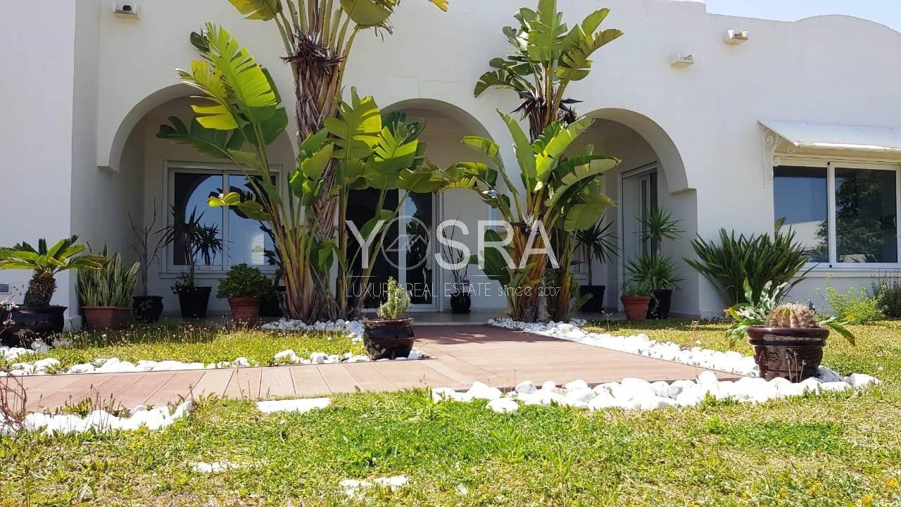 Villa vide ou meublé à la Marina Gammarth