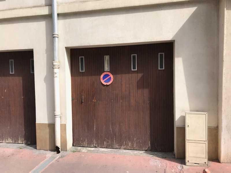 Garage de plain pied - Place du pin