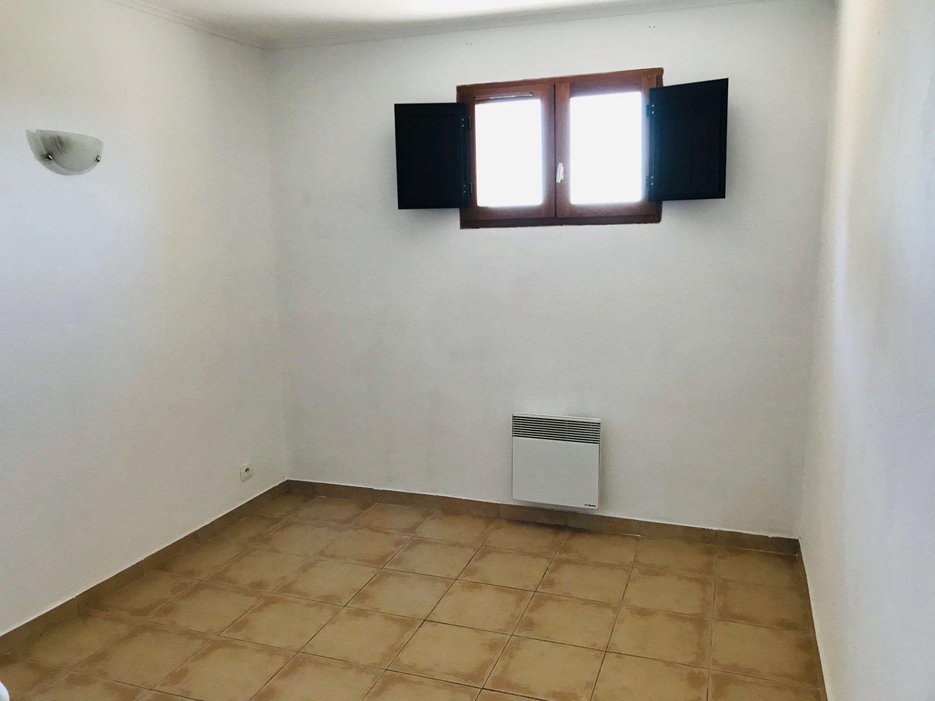 Appartement Type 3 avec balcon - EGUILLES