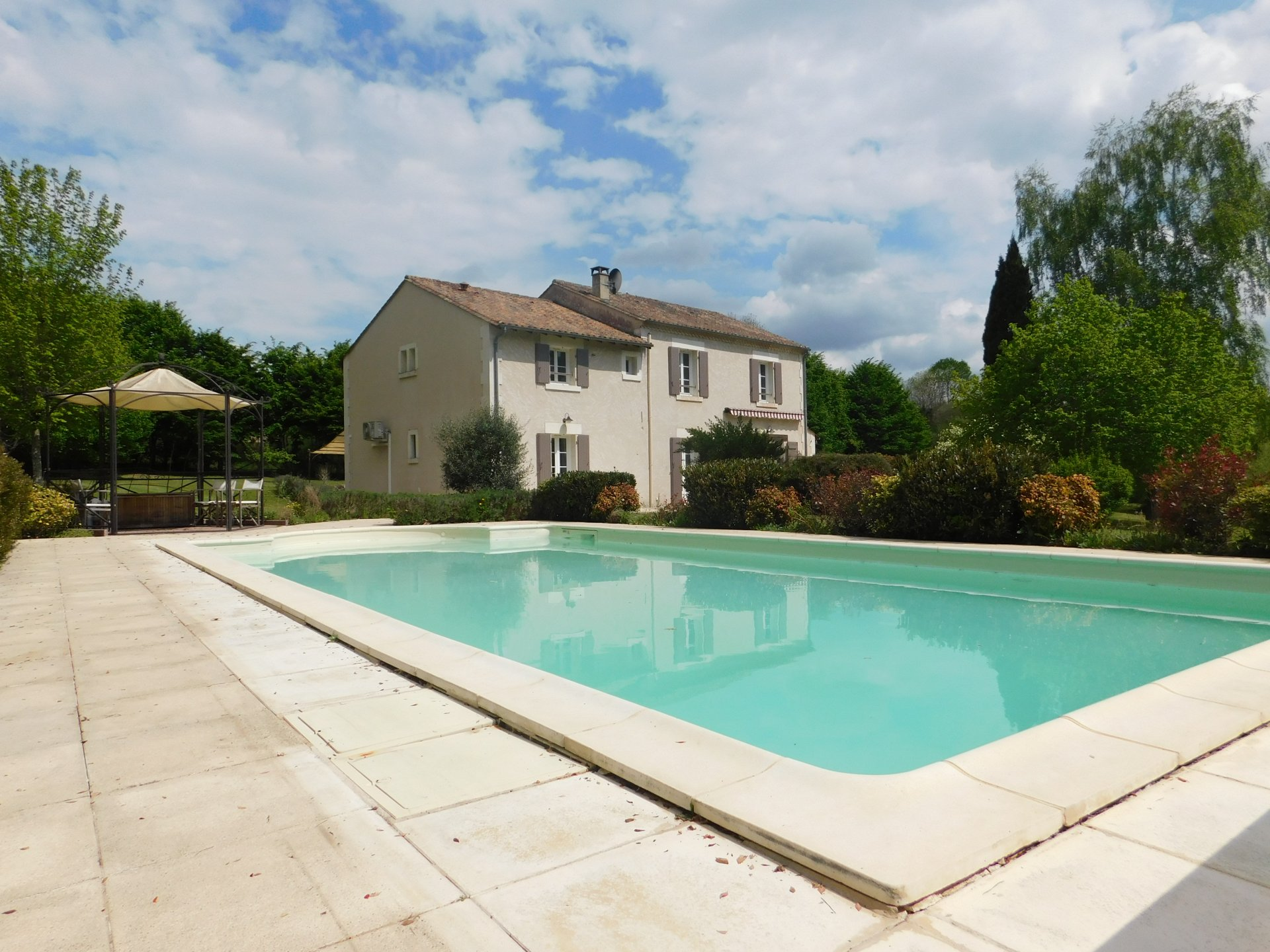 Superb house in ideal location on one hectare of land.