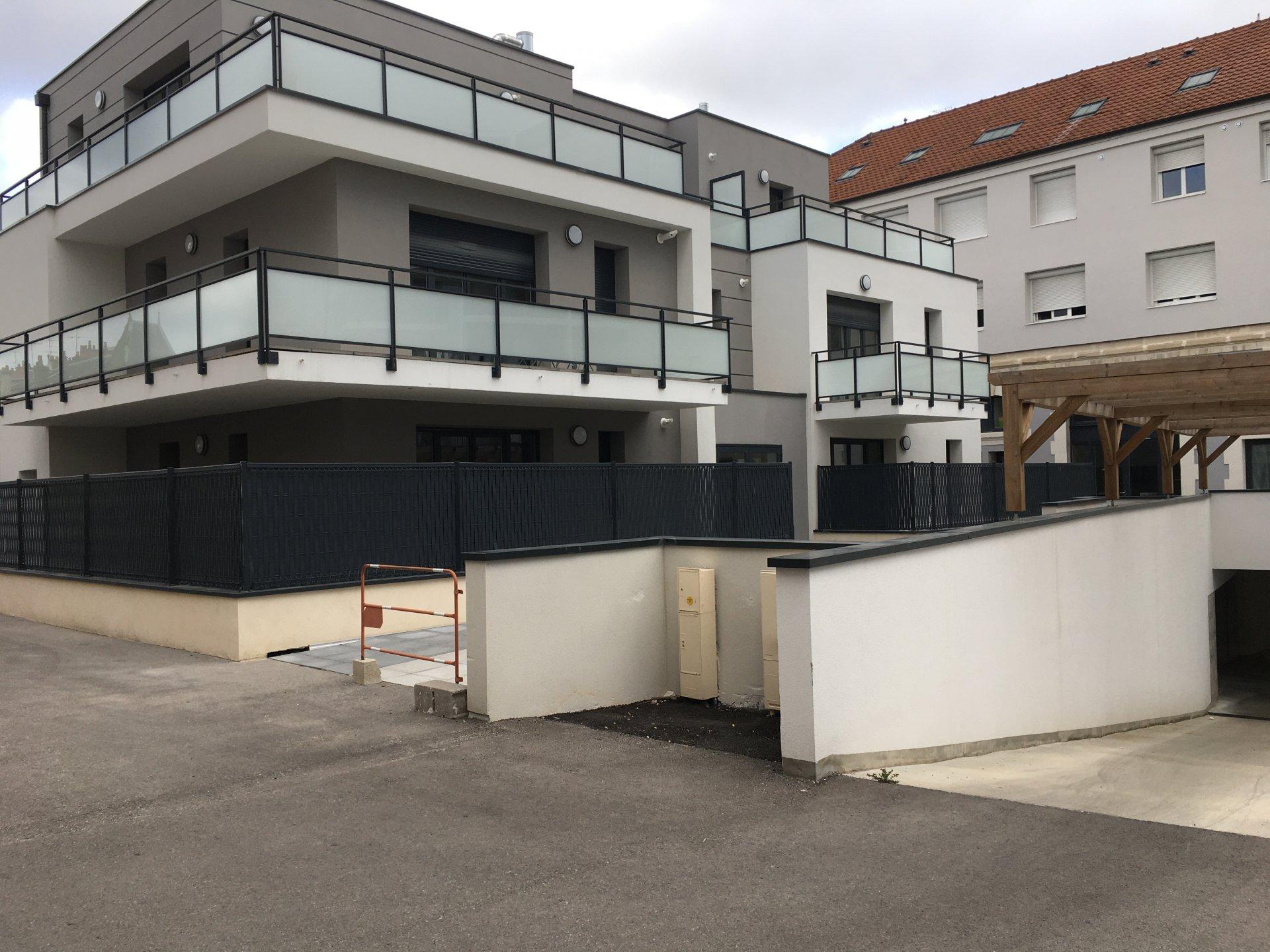 Studio centre ville Dijon avec grande terrasse