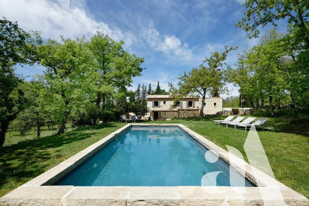 THE BUTTERFLY MAS - LACOSTE - LUBERON - 5 bedrooms - 10 people