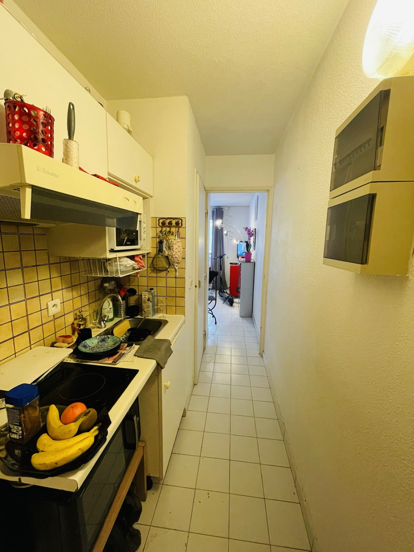 Beautiful one bed apartment in a building with swimming pool and concierge a few steps from Monaco