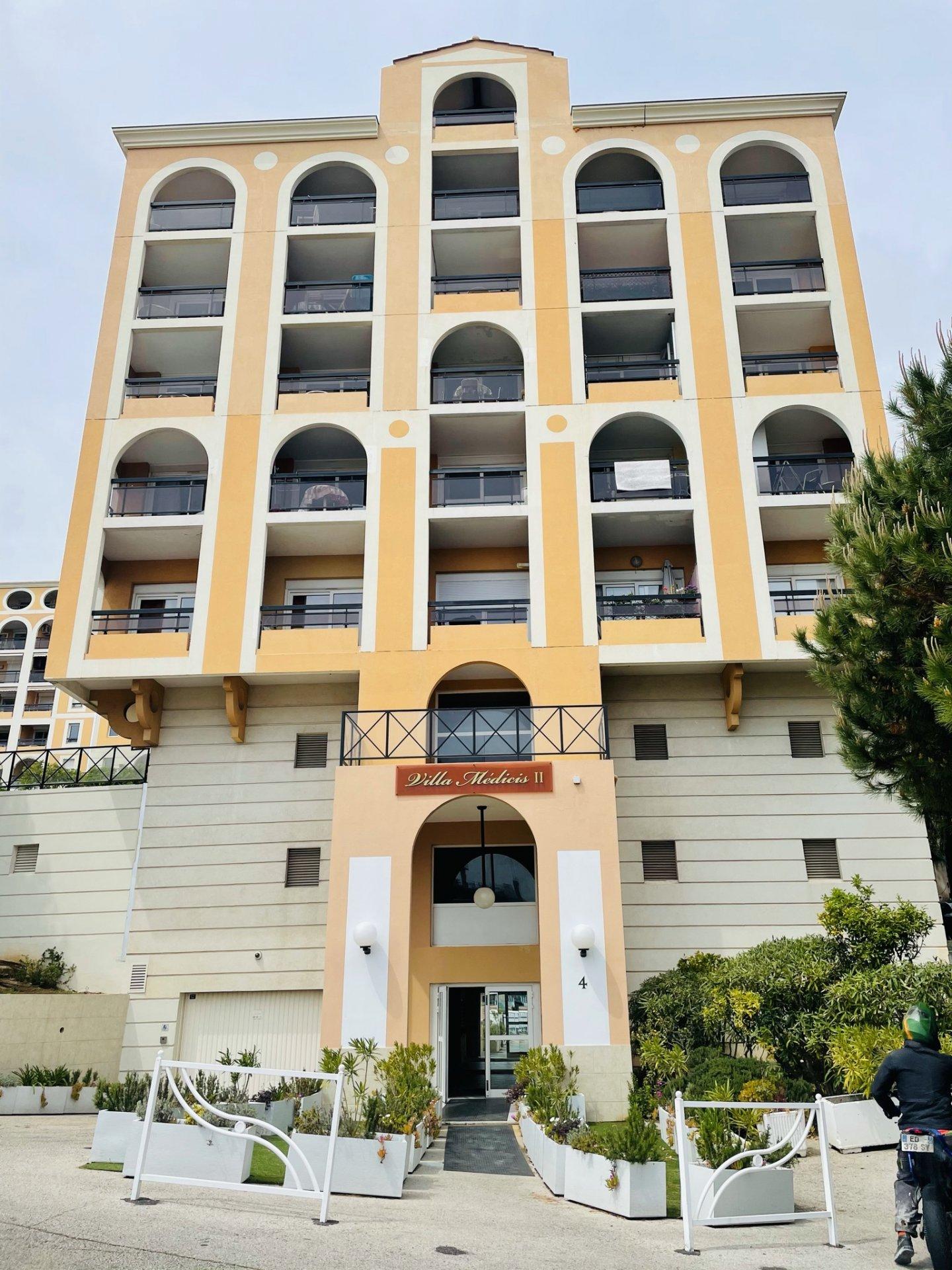 Joli deux pièces dans une résidence proche Monaco