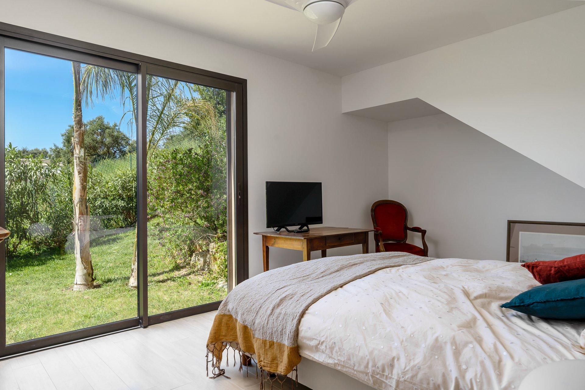 Villa 250 m2 Vue Dégagée Studio et 2 Garages