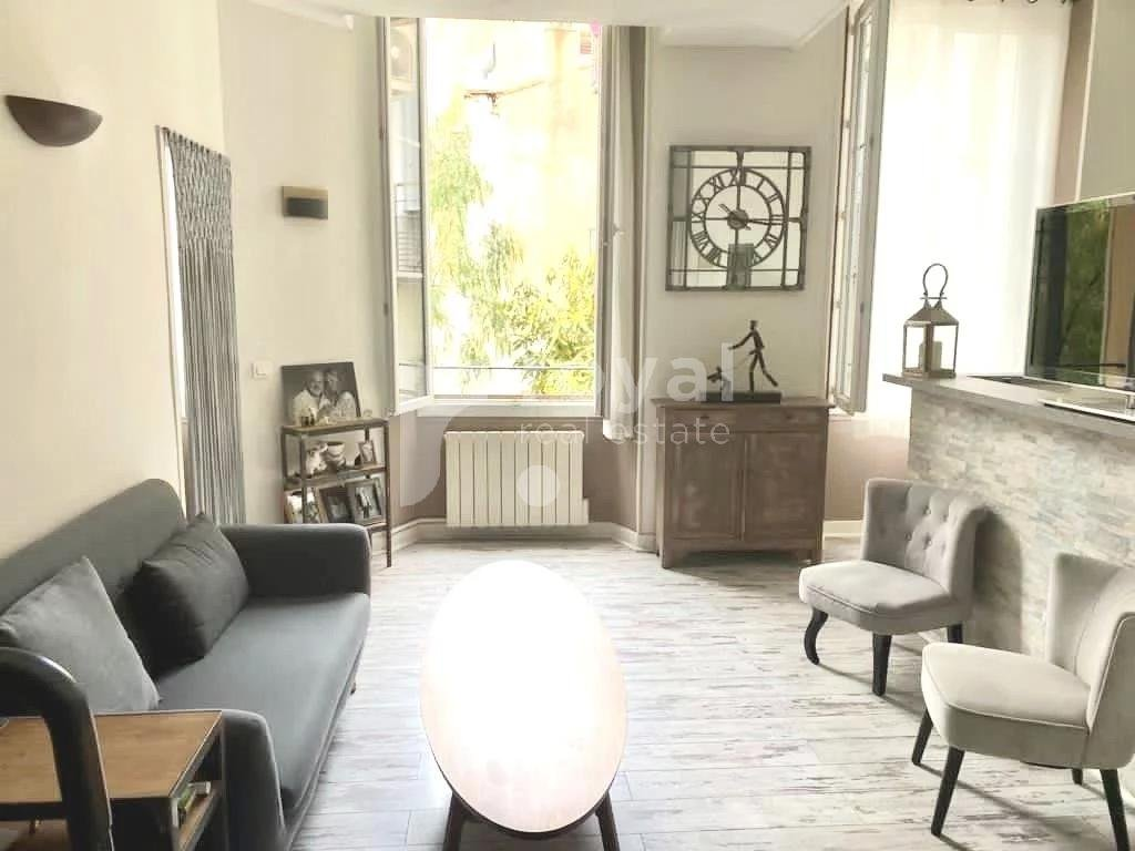 BEAUTIFUL BOURGEOIS APARTMENT FOR SALE - CANNES CENTER