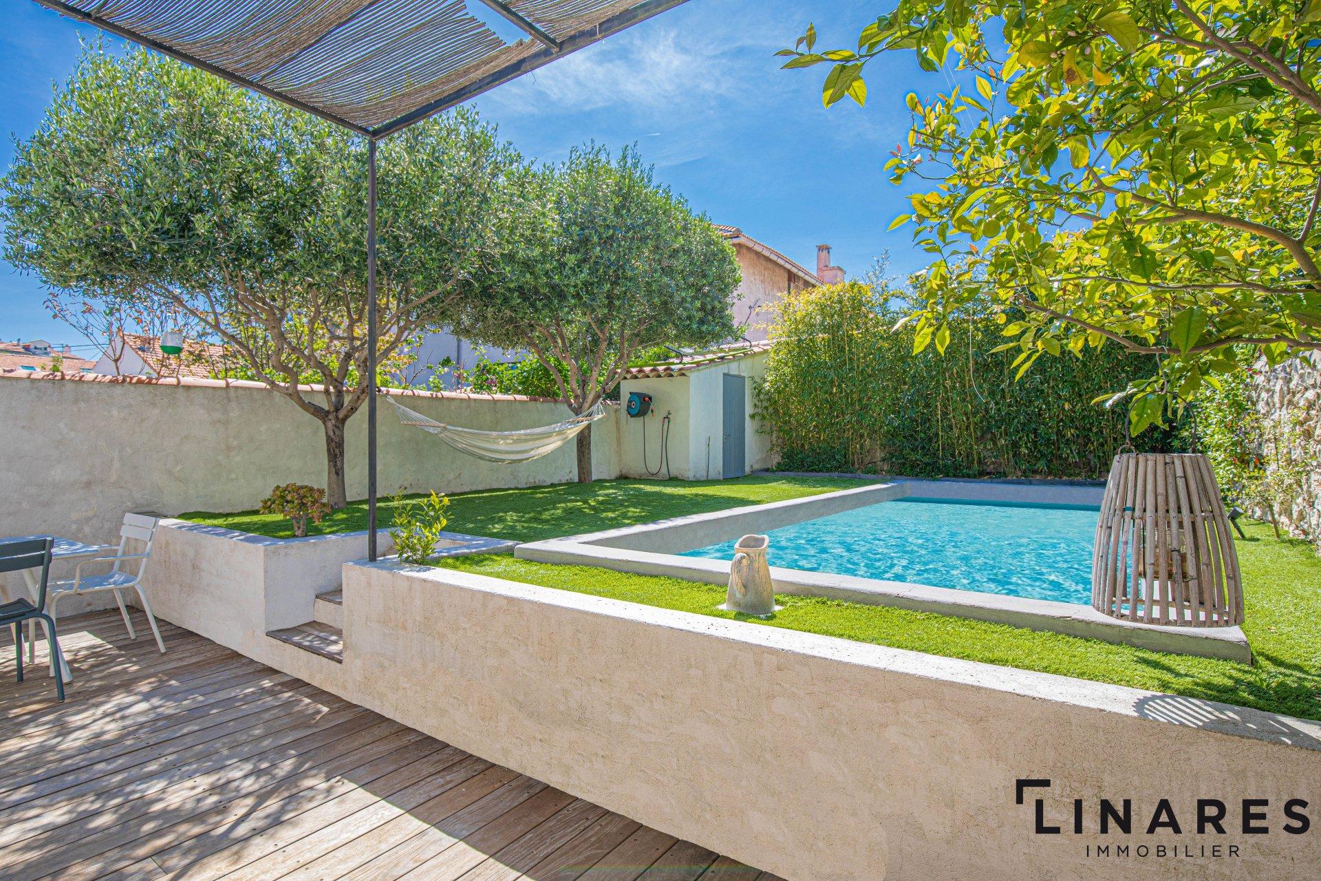 Sale House - Marseille 7ème Bompard