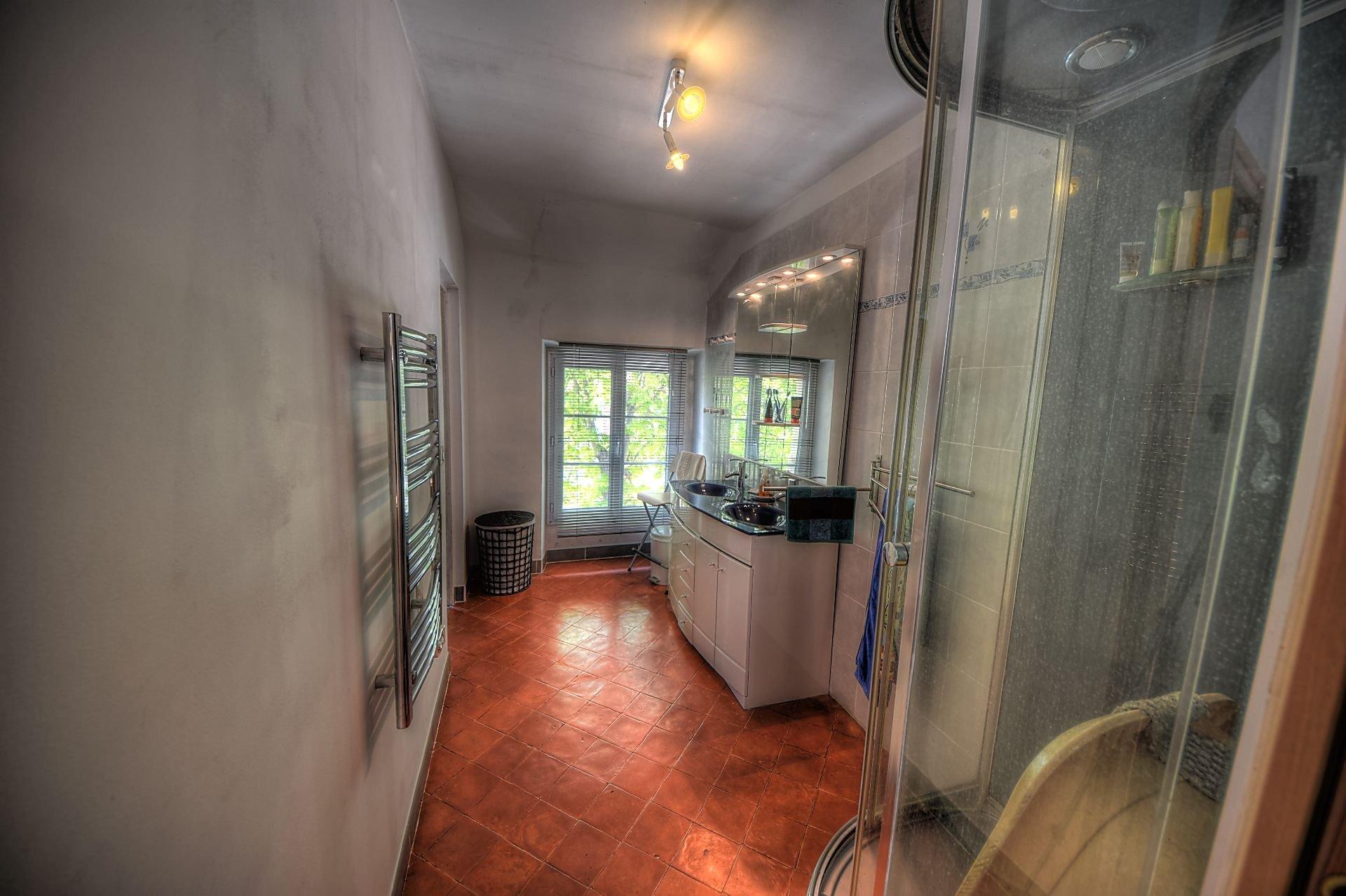 Salle d'eau de l'appartement indépendant au 2ème étage