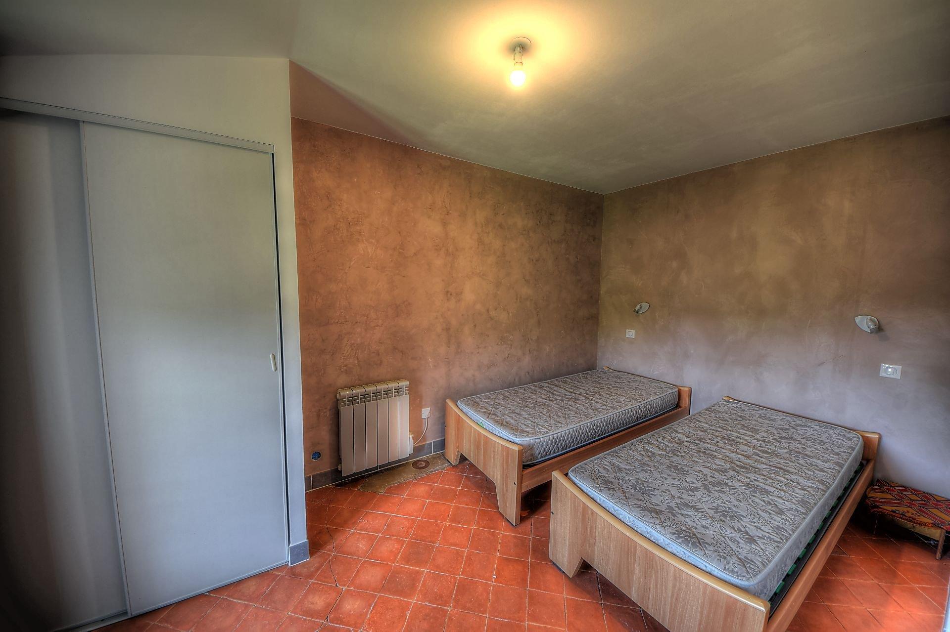 Petite chambre de l'appartement indépendant au 2ème étage