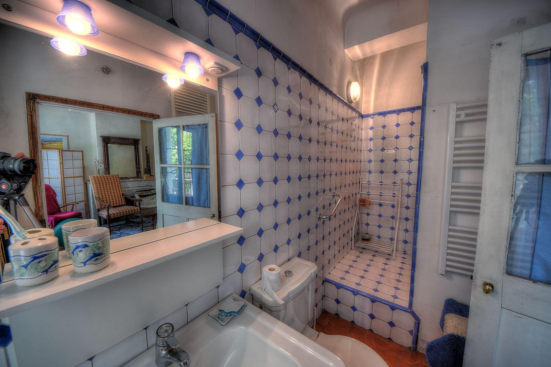 Salle d'eau de la suite parentale ou studio 2 au 1er étage