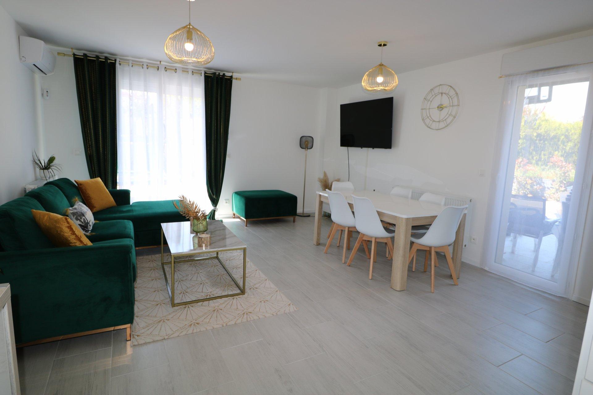 Maison 5 pièces de 106 m² avec piscine
