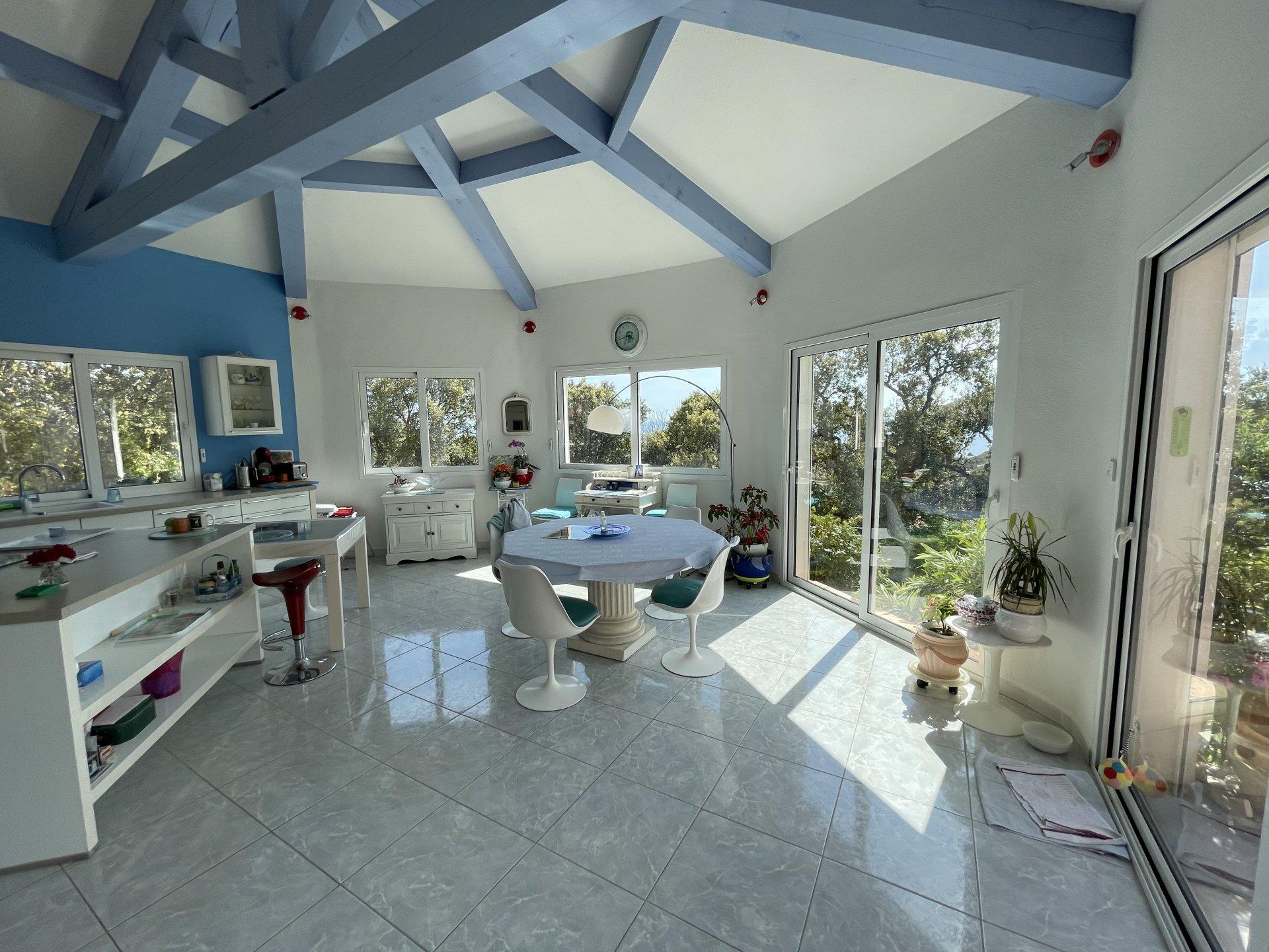 Villa di 237 m² Sud-Sud-Ovest in Agay