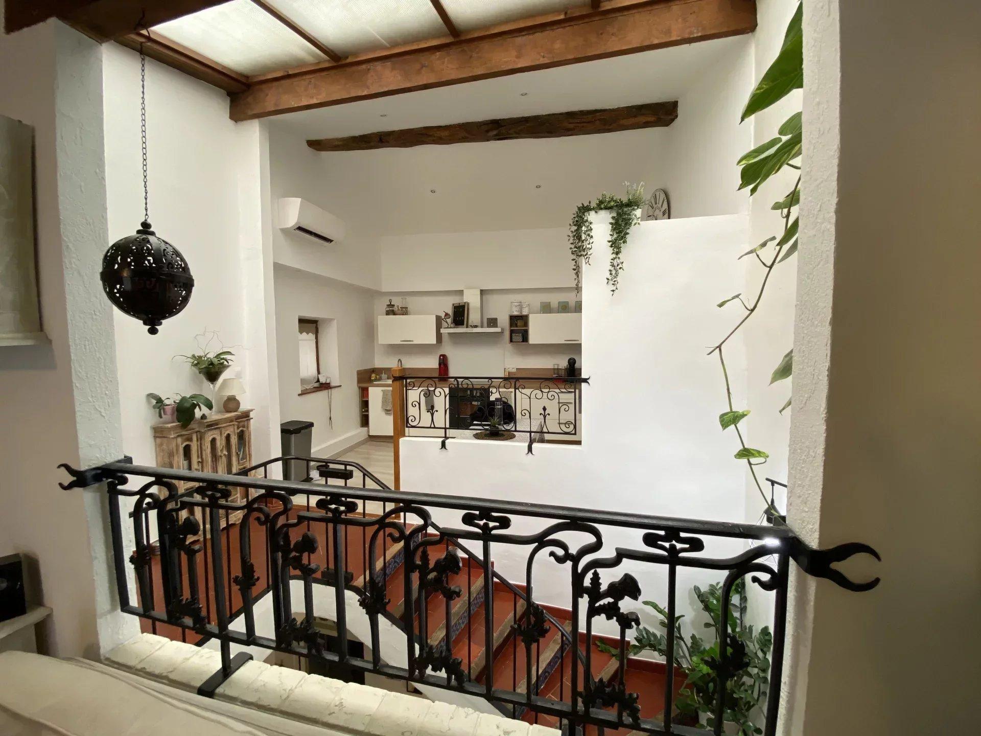 Maison R+2, 90m2 terrasse et cave