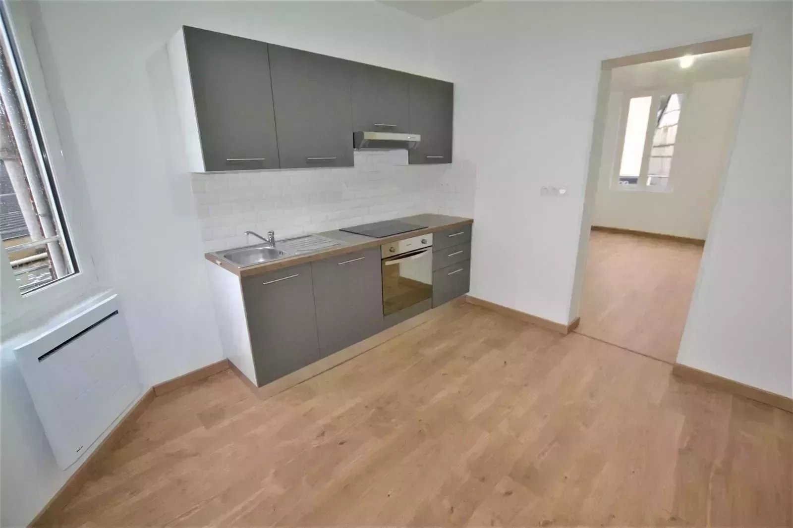 A vendre Bel Appartement F4 au centre ville de  Pavilly