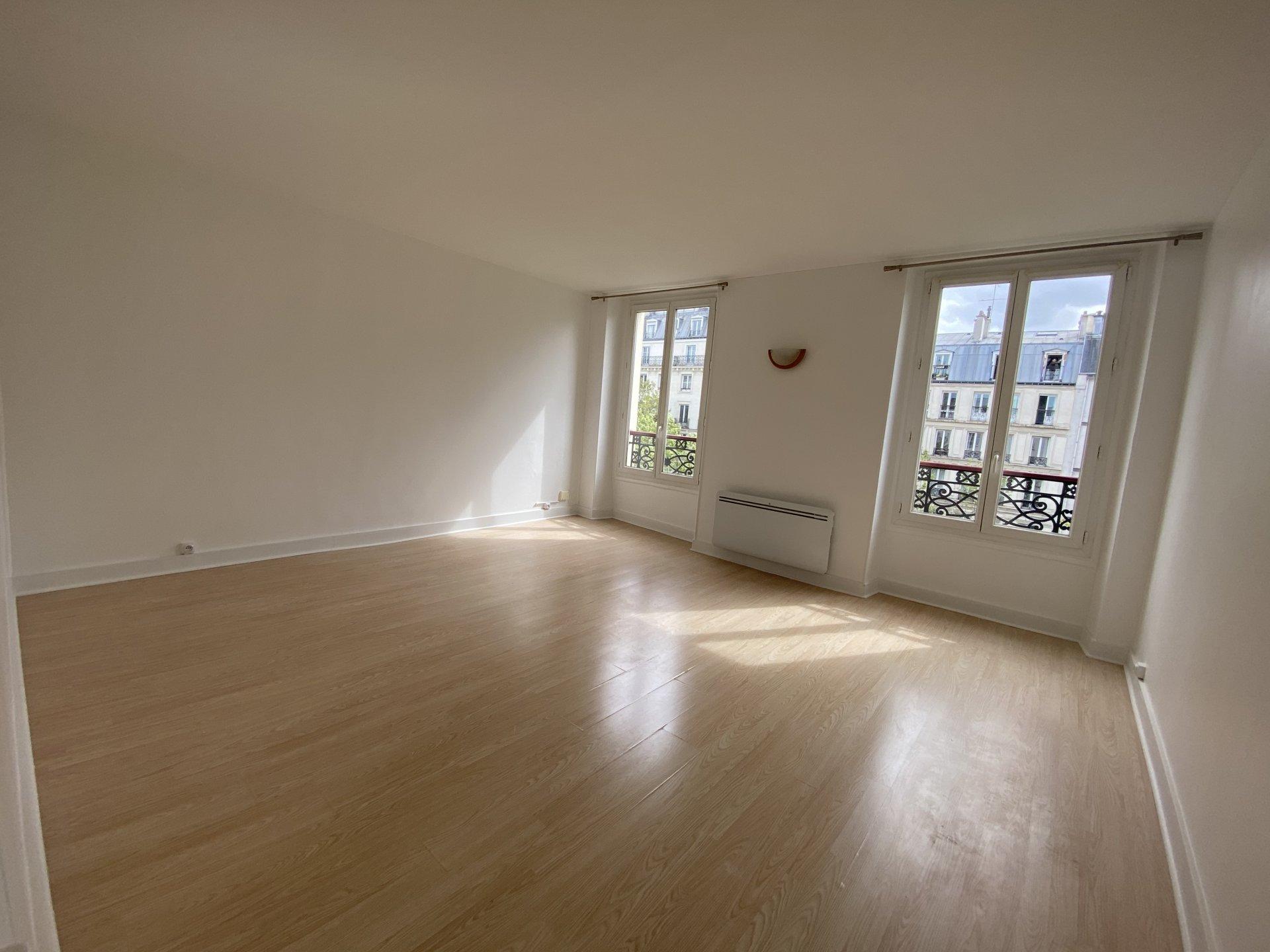 GRAND STUDIO 33m² - PARIS - MONTPARNASSE
