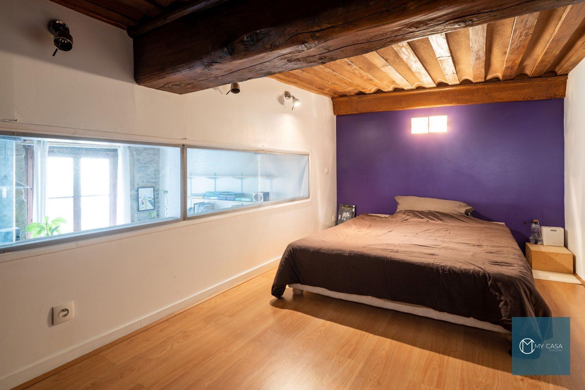 CROIX-PAQUET - Charmant T2 - Canut de 57 m2