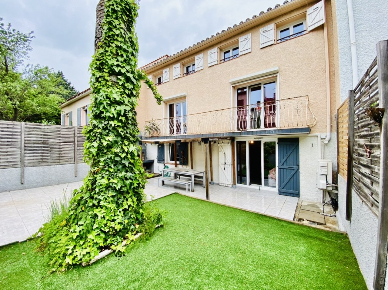 Grande maison T7 - Porte d'Espagne
