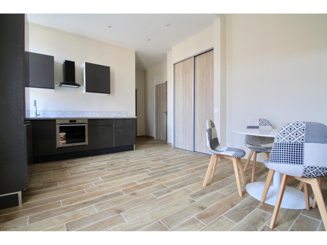 Apartment with balcony - close to everything in Cannes
