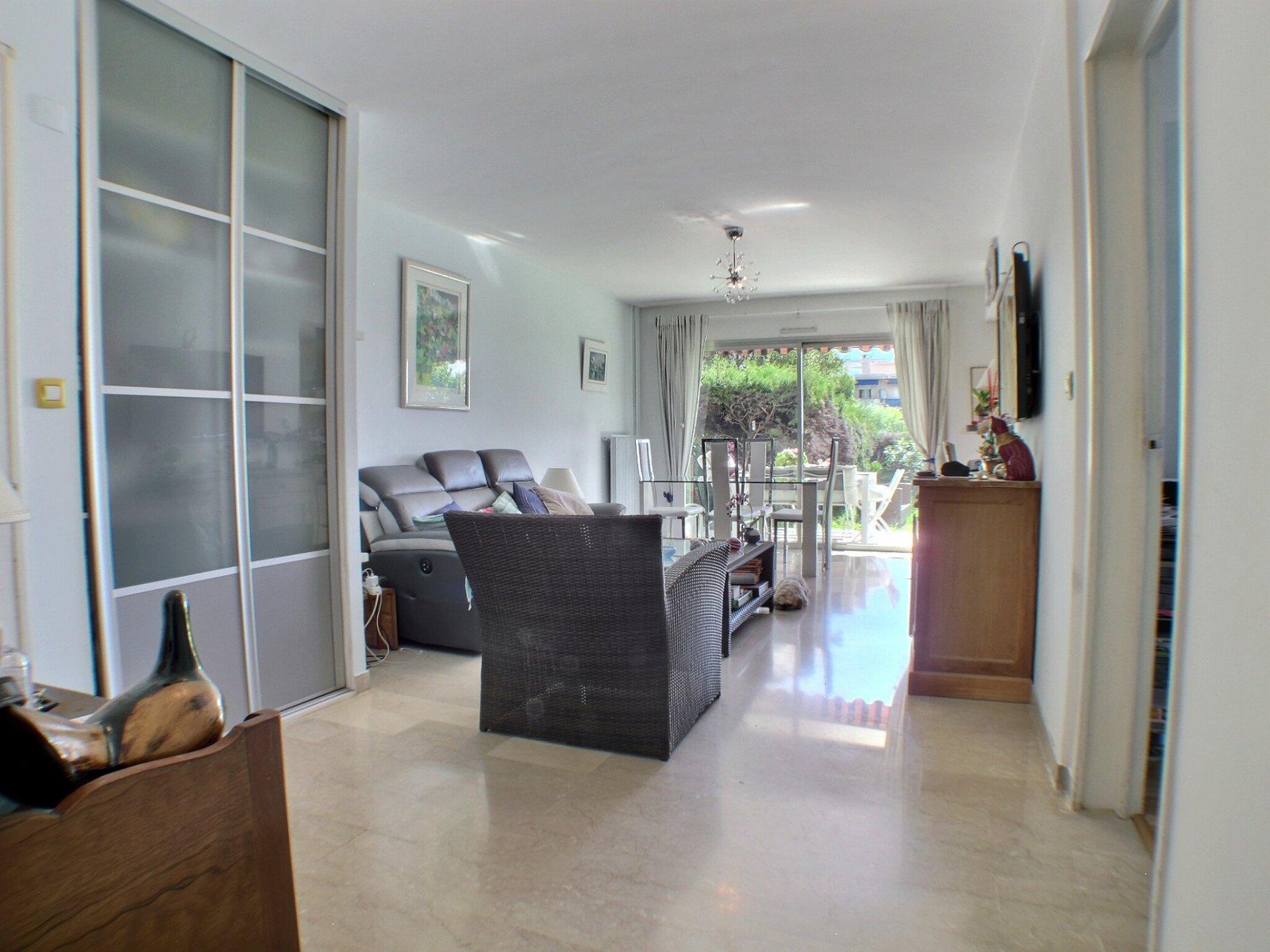 Mooi appartement met 200 m2 tuin te koop aan de Côte d'Azur
